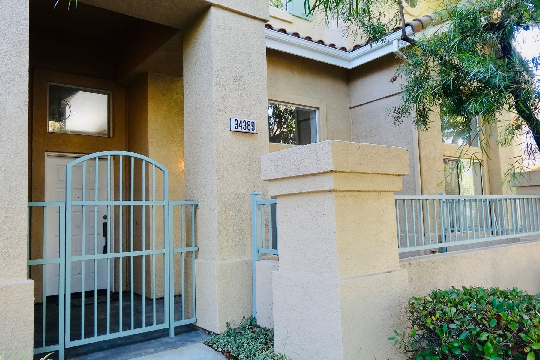 townhouses for Sale at Gorgeous Townhome 34389 Anzio Terrace #23 Fremont, California 94555 United States
