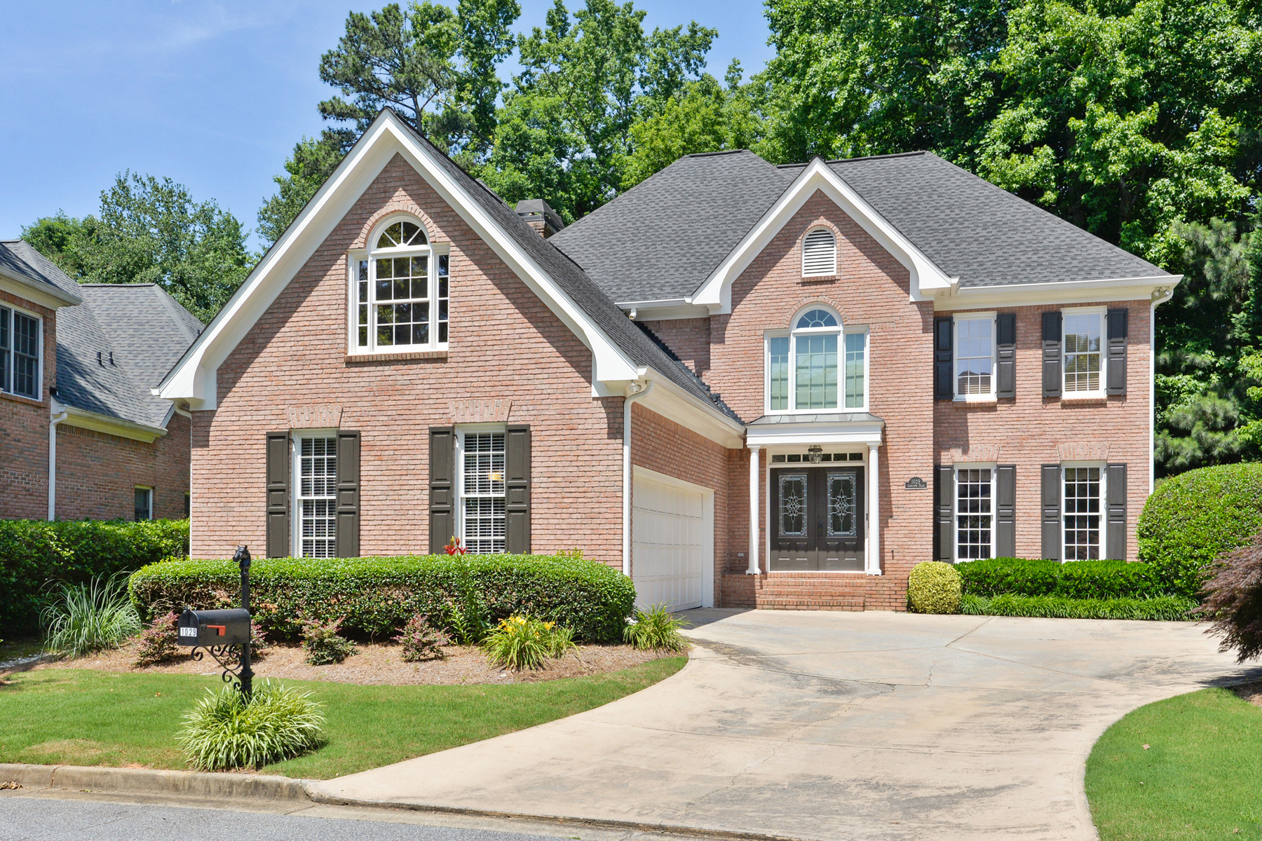 Single Family Home for Sale at Darling Dunwoody Property 1029 Oakpointe Place Dunwoody, Georgia 30338 United States