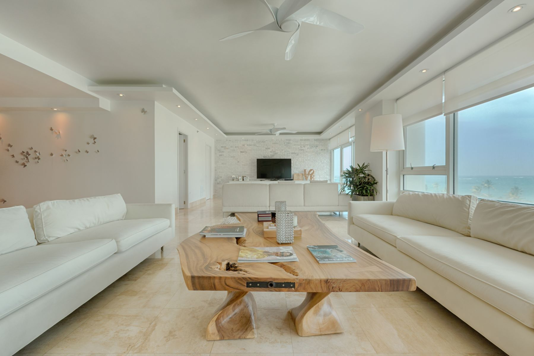 公寓 為 出售 在 Space and Views Abound 1052 Ashford Avenue Apt. 6C San Juan, Puerto Rico 00907 波多黎各