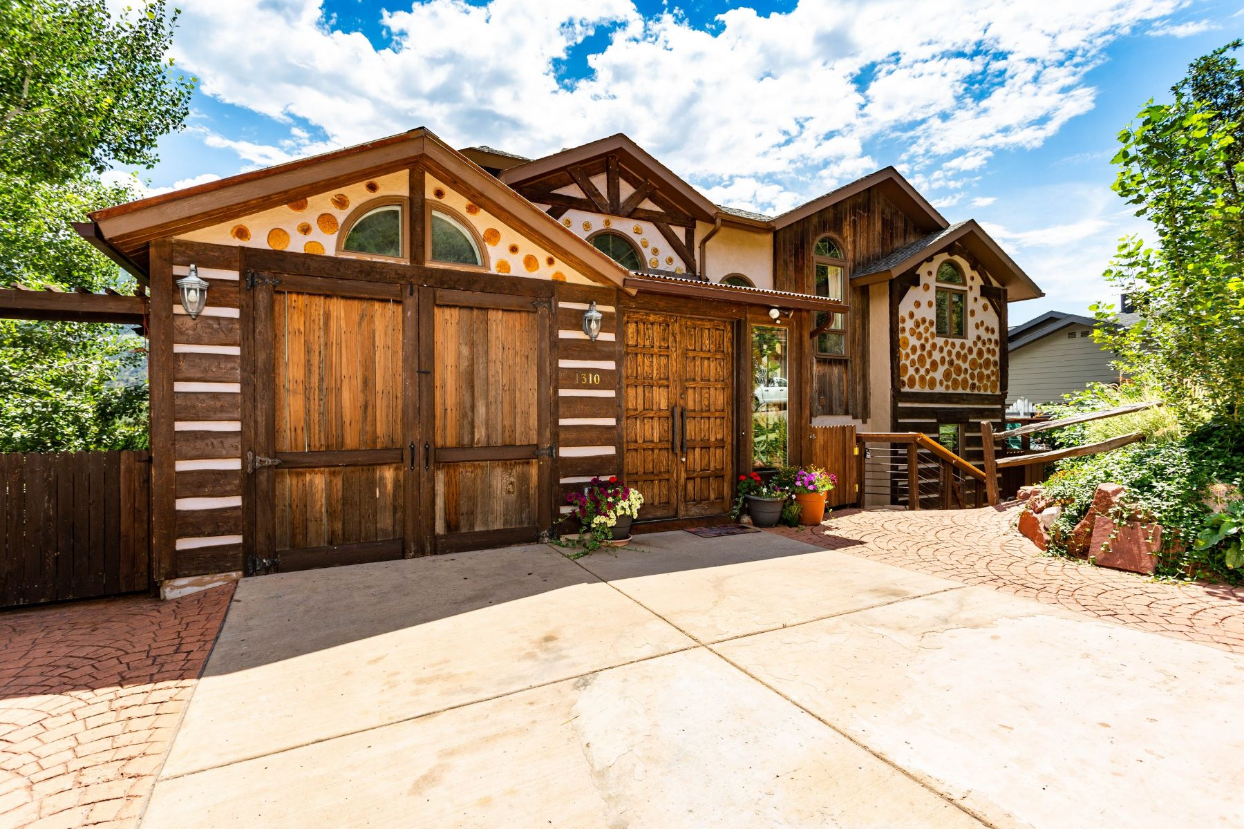 Single Family Homes for Sale at RED MOUNTAIN TERRACE, LOT 5 1310 Walz Avenue Glenwood Springs, Colorado 81601 United States