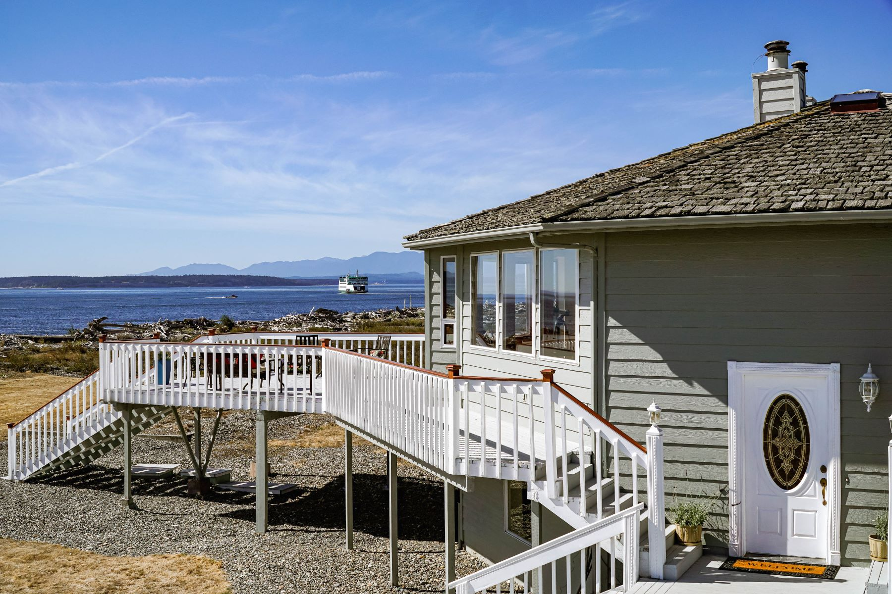 Single Family Homes 용 매매 에 Scharwat Trust 13322 State Route 20, Coupeville, 워싱톤 98236 미국