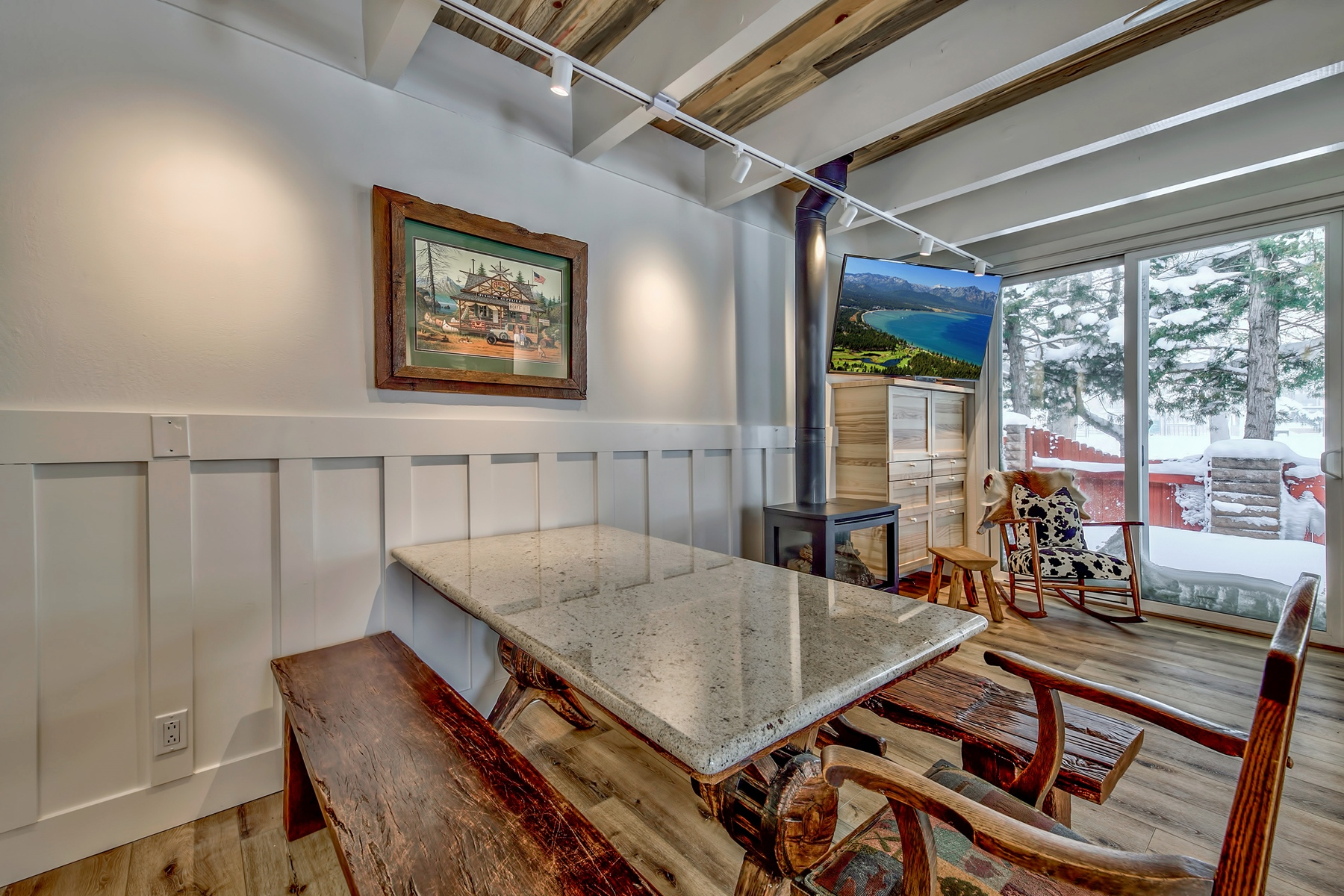 Additional photo for property listing at 439 Ala Wai #110, South Lake Tahoe, CA 96150 439 Ala Wai #110 South Lake Tahoe, California 96150 United States