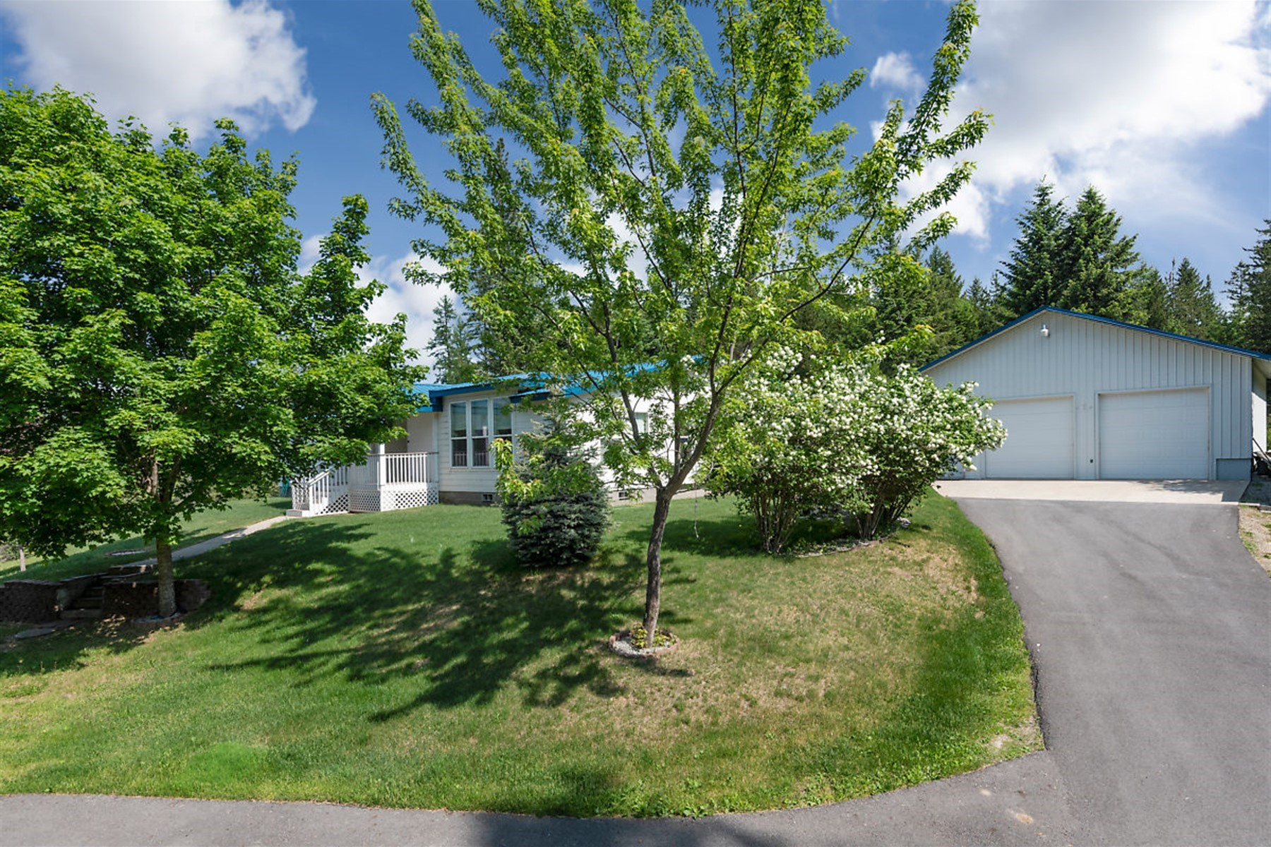 Single Family Homes for Sale at Beautiful Home on 10 acres 619 Southside School RD Cocolalla, Idaho 83813 United States