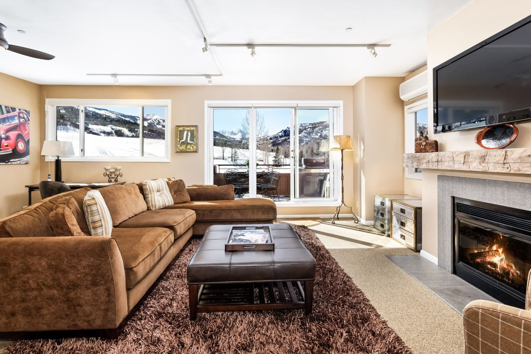 Condominium for Sale at Country Club Villas Unit 1623 150 Snowmass Club Circle Unit 1623 Snowmass Village, Colorado, 81615 United States