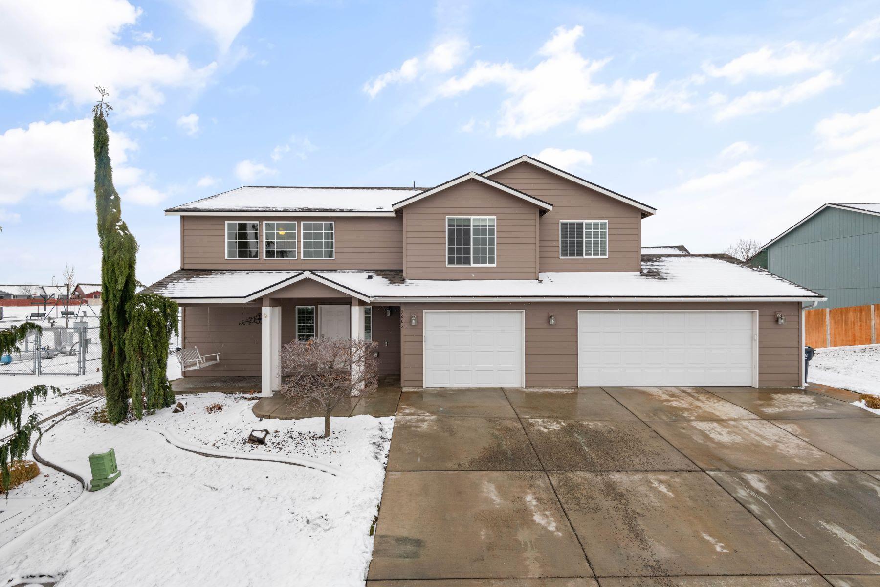 Single Family Homes por un Venta en Beautifully Updated Home 5602 Wrigley Drive Pasco, Washington 99301 Estados Unidos