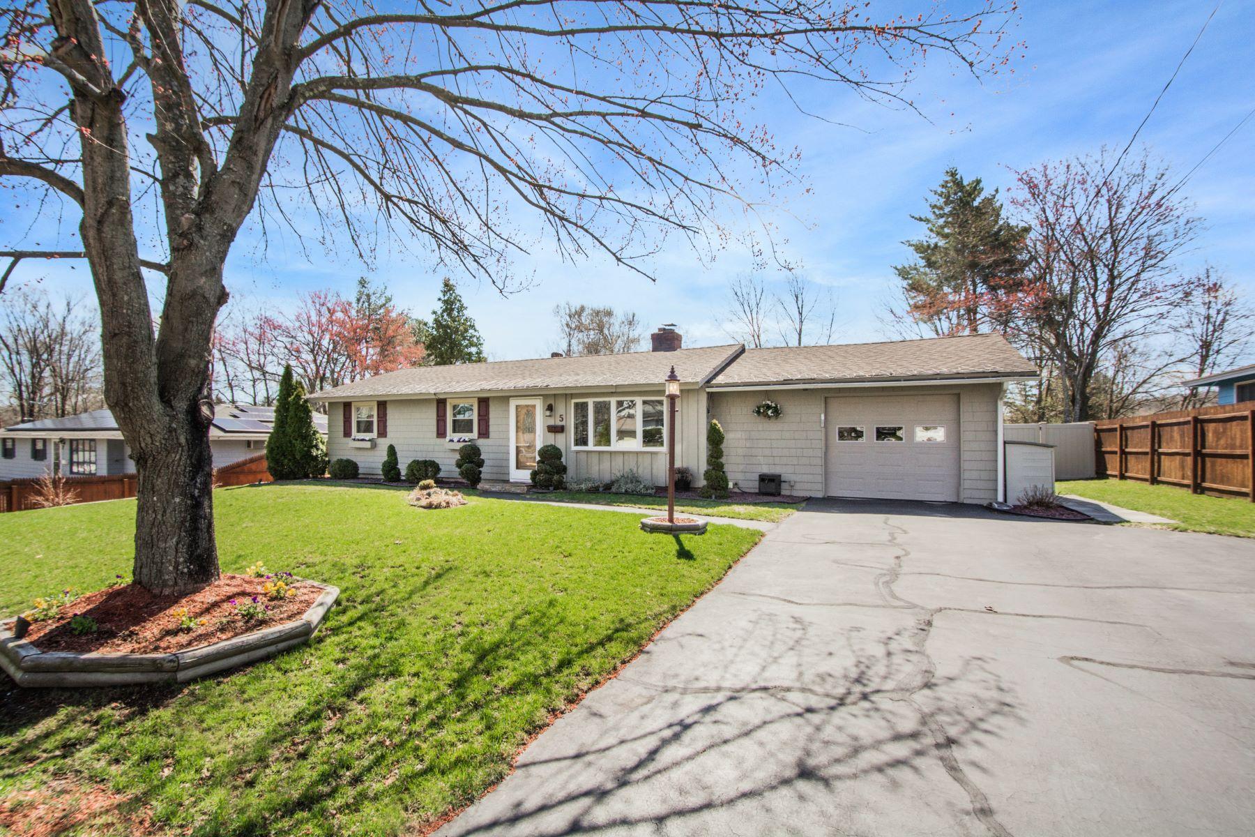 Single Family Home for Active at 5 Wickford Rd Framingham, Massachusetts 01701 United States