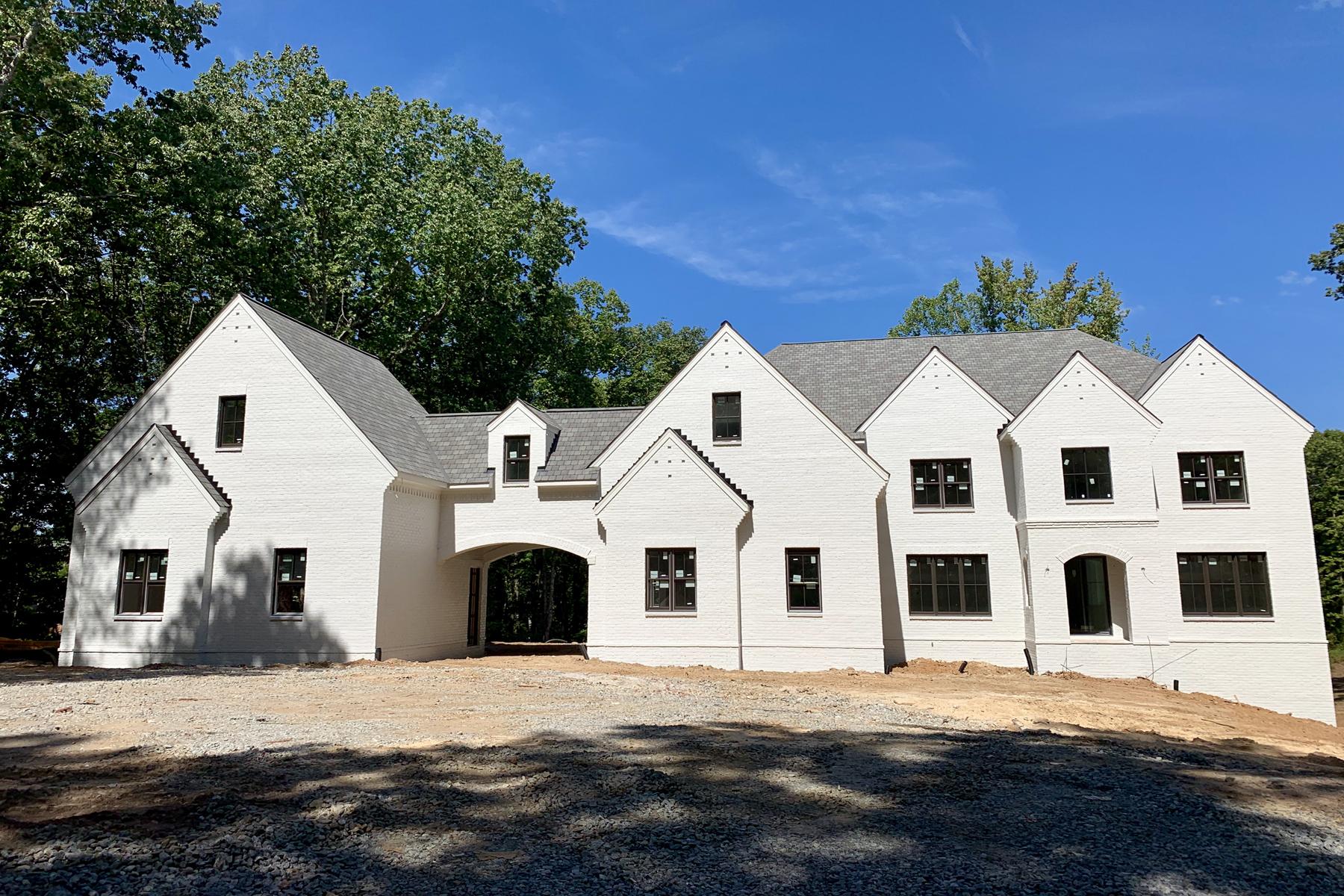 Property のために 売買 アット New Sandy Springs Estate 5720 Riverside Drive, Atlanta, ジョージア 30327 アメリカ