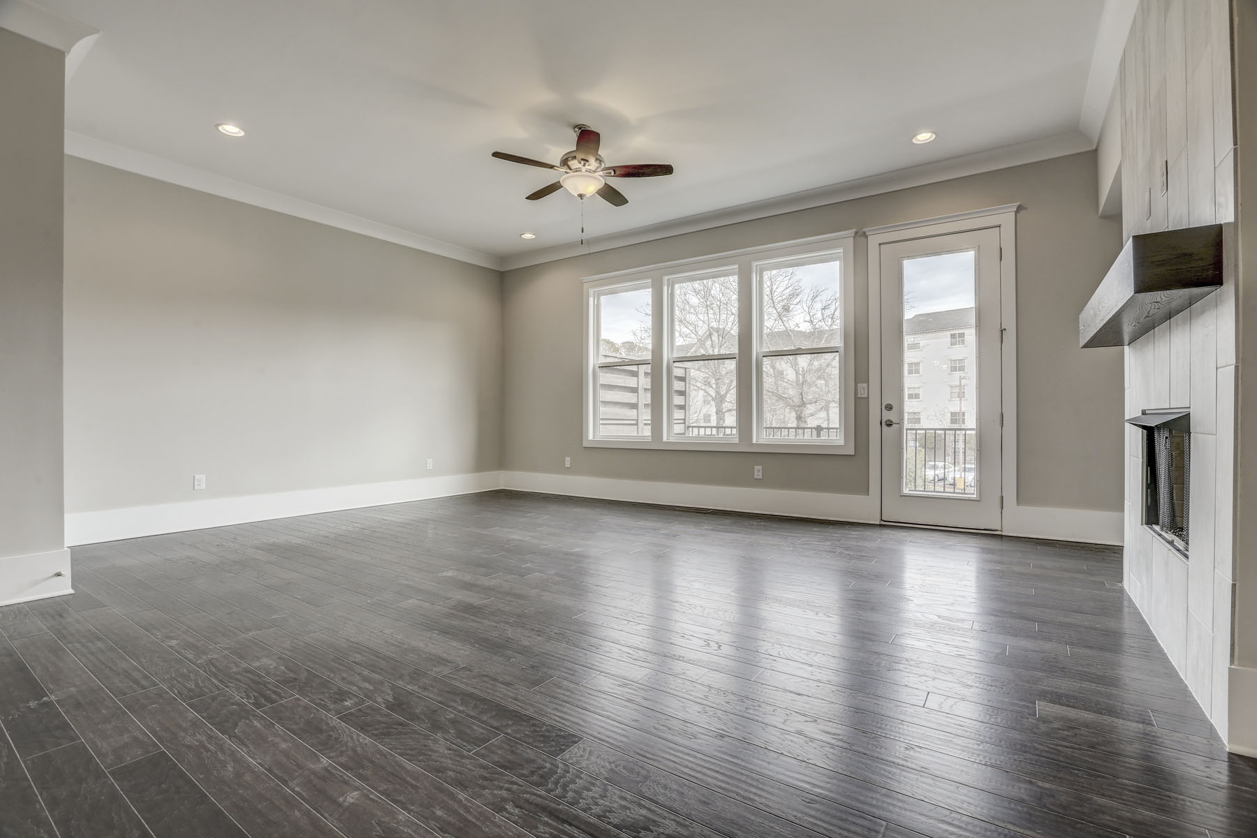 Additional photo for property listing at New Construction Townhome in the Heart of Dunwoody 4330 Georgetown Square #16, Dunwoody, Джорджия 30338 Соединенные Штаты