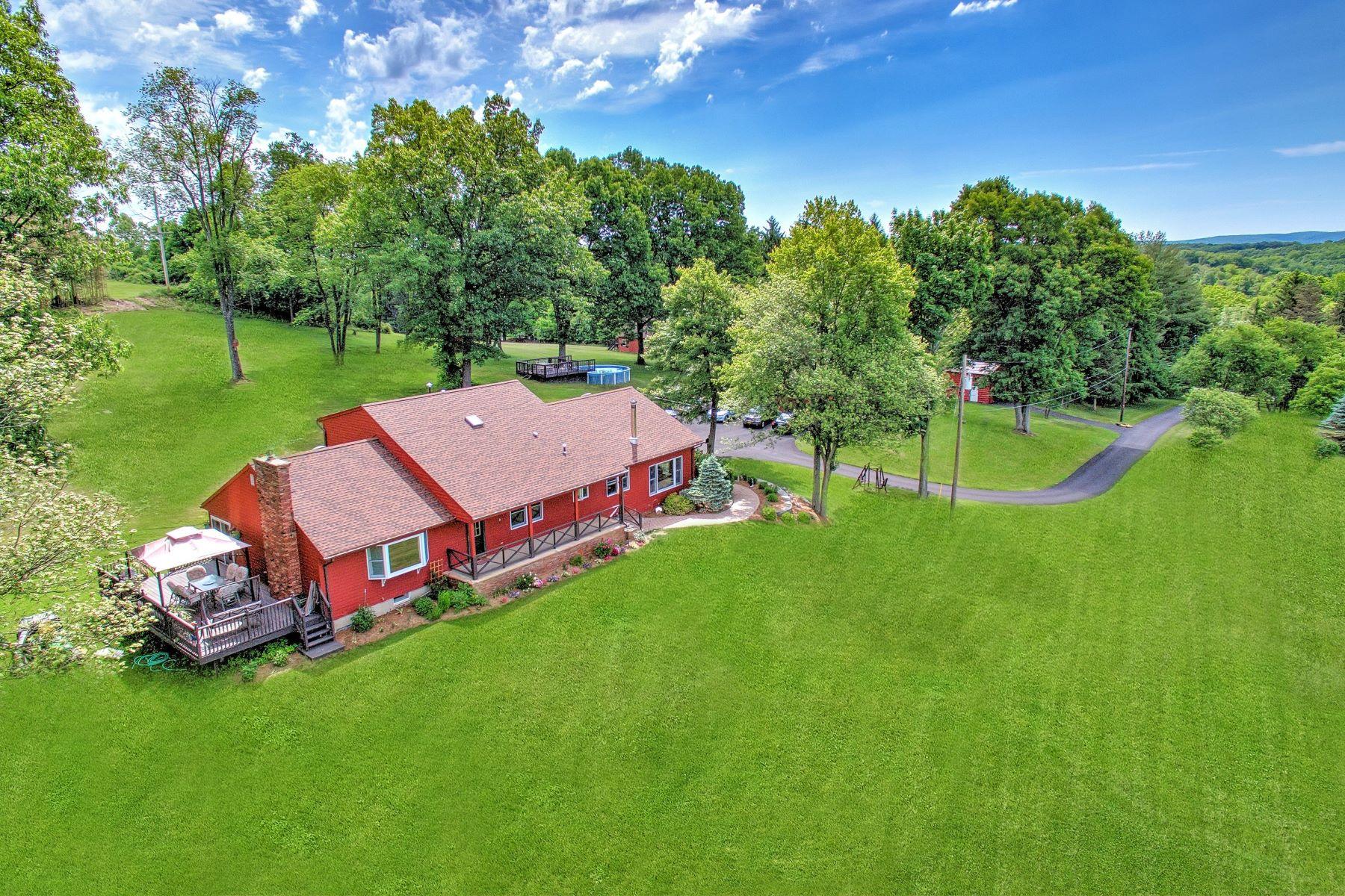Casa Unifamiliar por un Venta en Gorgeous 11 Acres Setting 3 Pine Dr Warwick, Nueva York 10990 Estados Unidos