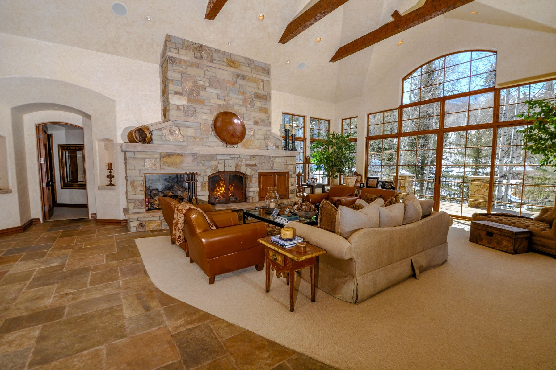 Property для того Продажа на Ski Access With Views 211 S Pine Crest Drive, Snowmass Village, Колорадо 81615 Соединенные Штаты