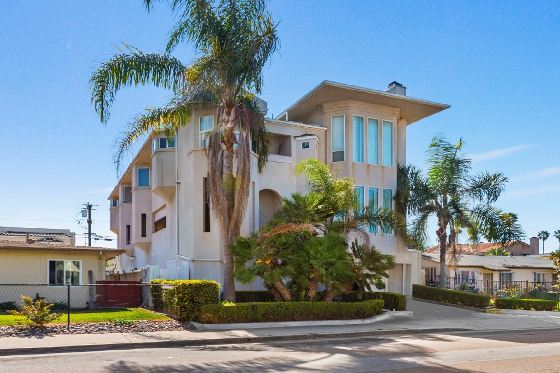 Multi-Family Homes for Active at 243-249 Date Ave Imperial Beach, California 91932 United States