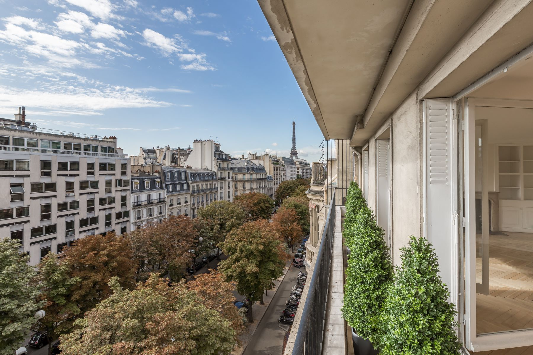 Maison unifamiliale pour l Vente à Avenue Montaigne / Triangle d'or Paris, Paris, 75008 France