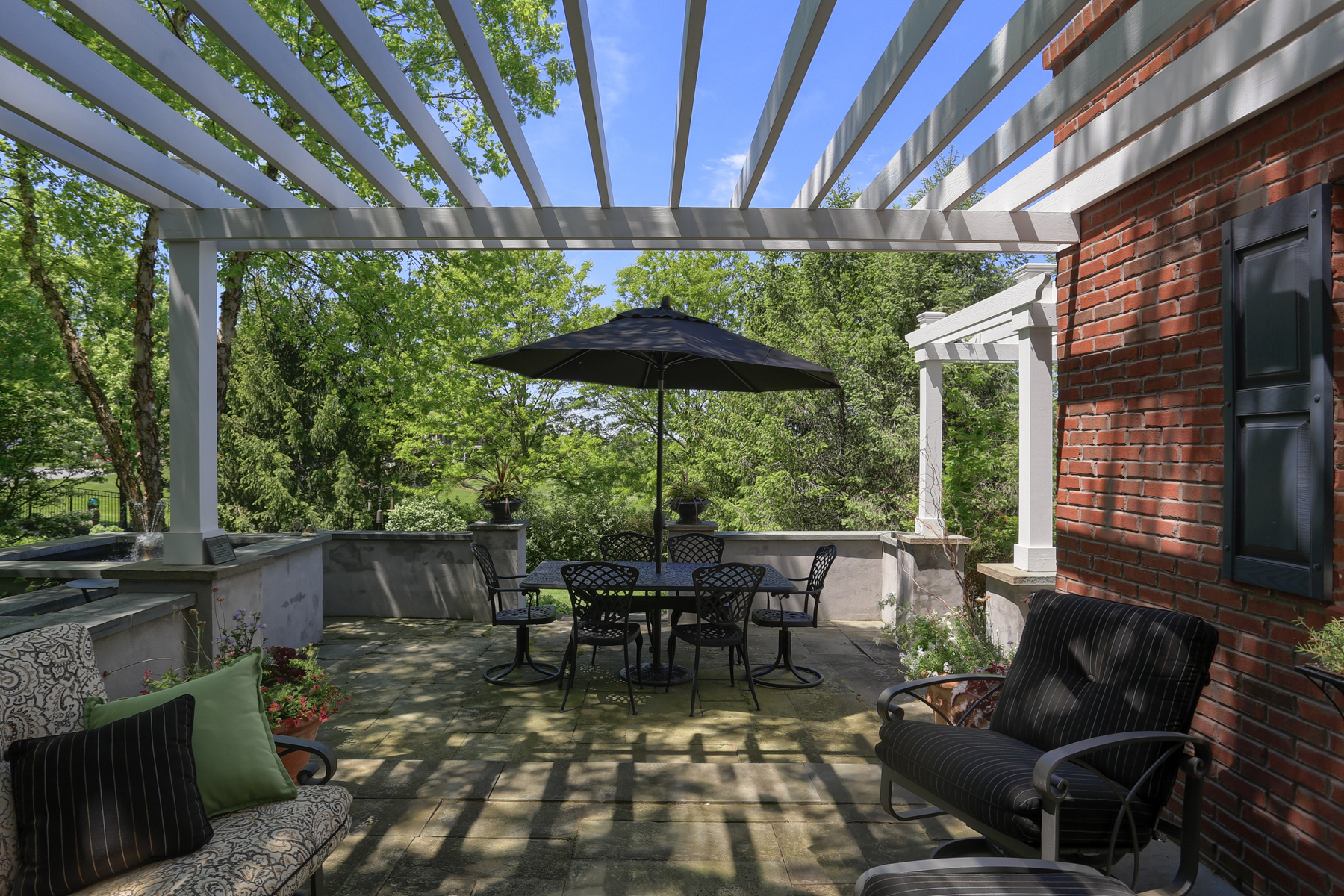 Additional photo for property listing at 2121 Colleens Way  Lancaster, Pennsylvania 17601 United States