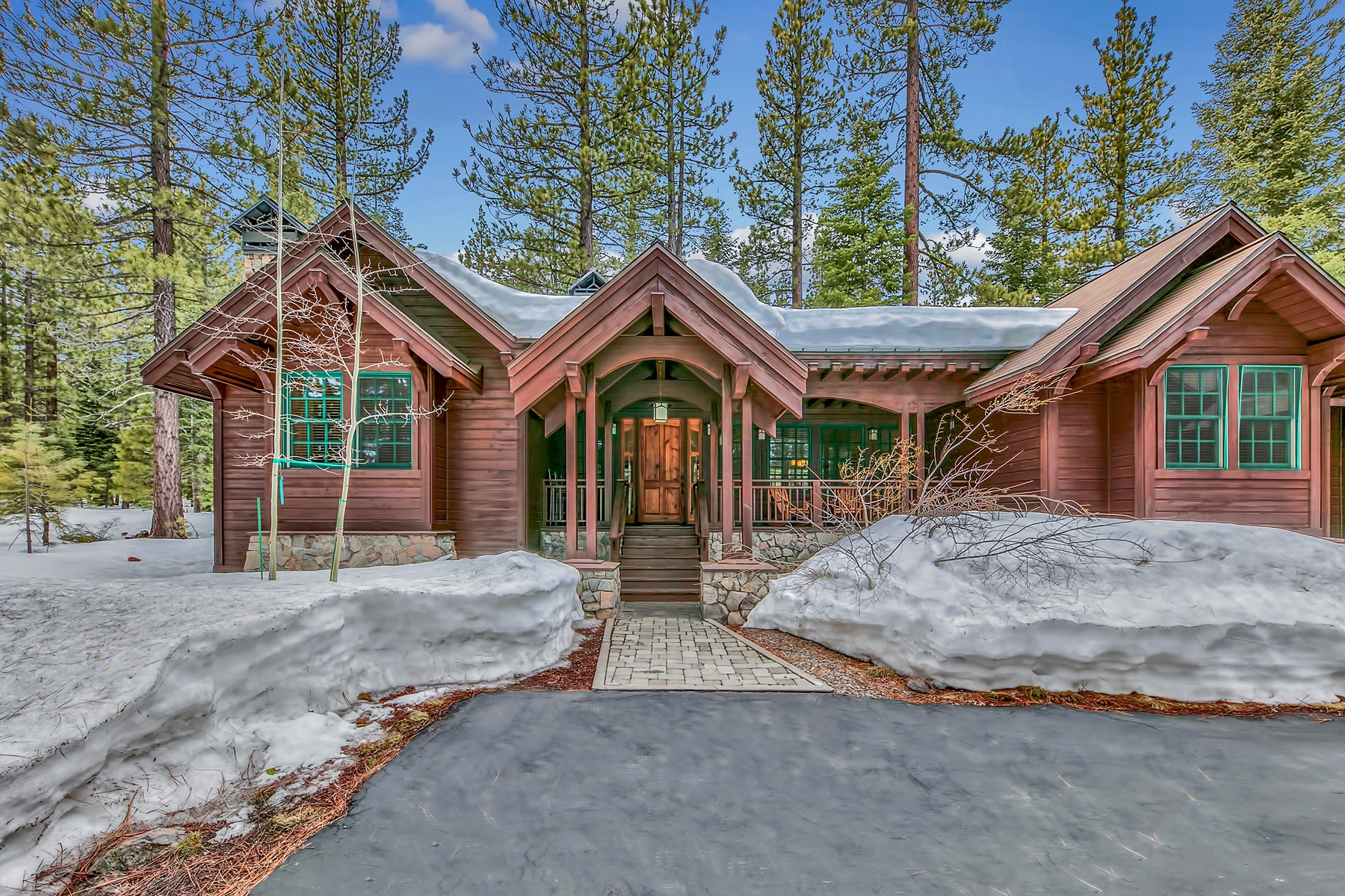 Single Family Home for Active at 8441 Lahontan Drive, Truckee, CA 8441 Lahontan Drive Truckee, California 96161 United States