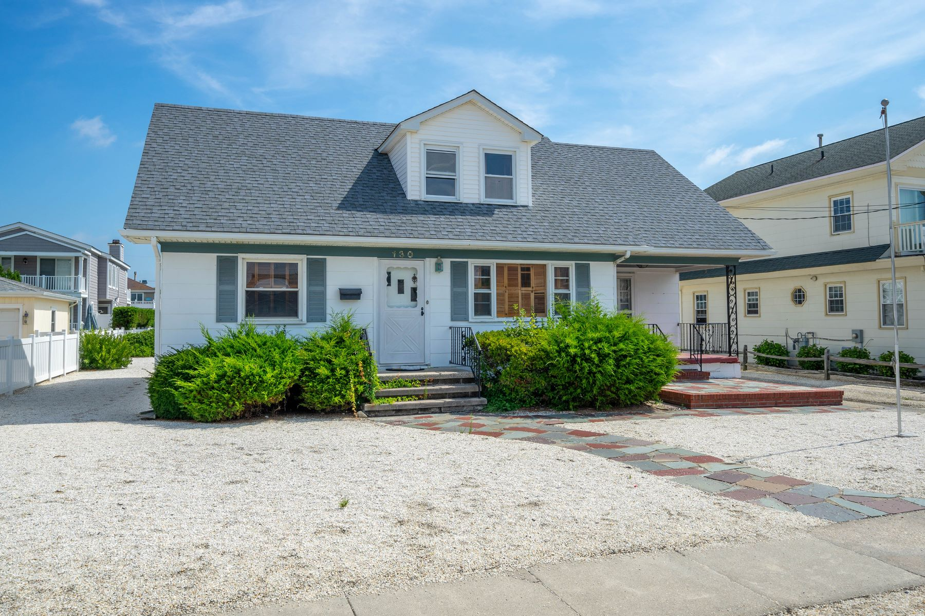 Single Family Homes للـ Sale في South End Opprotunity 130 108th Street, Stone Harbor, New Jersey 08247 United States