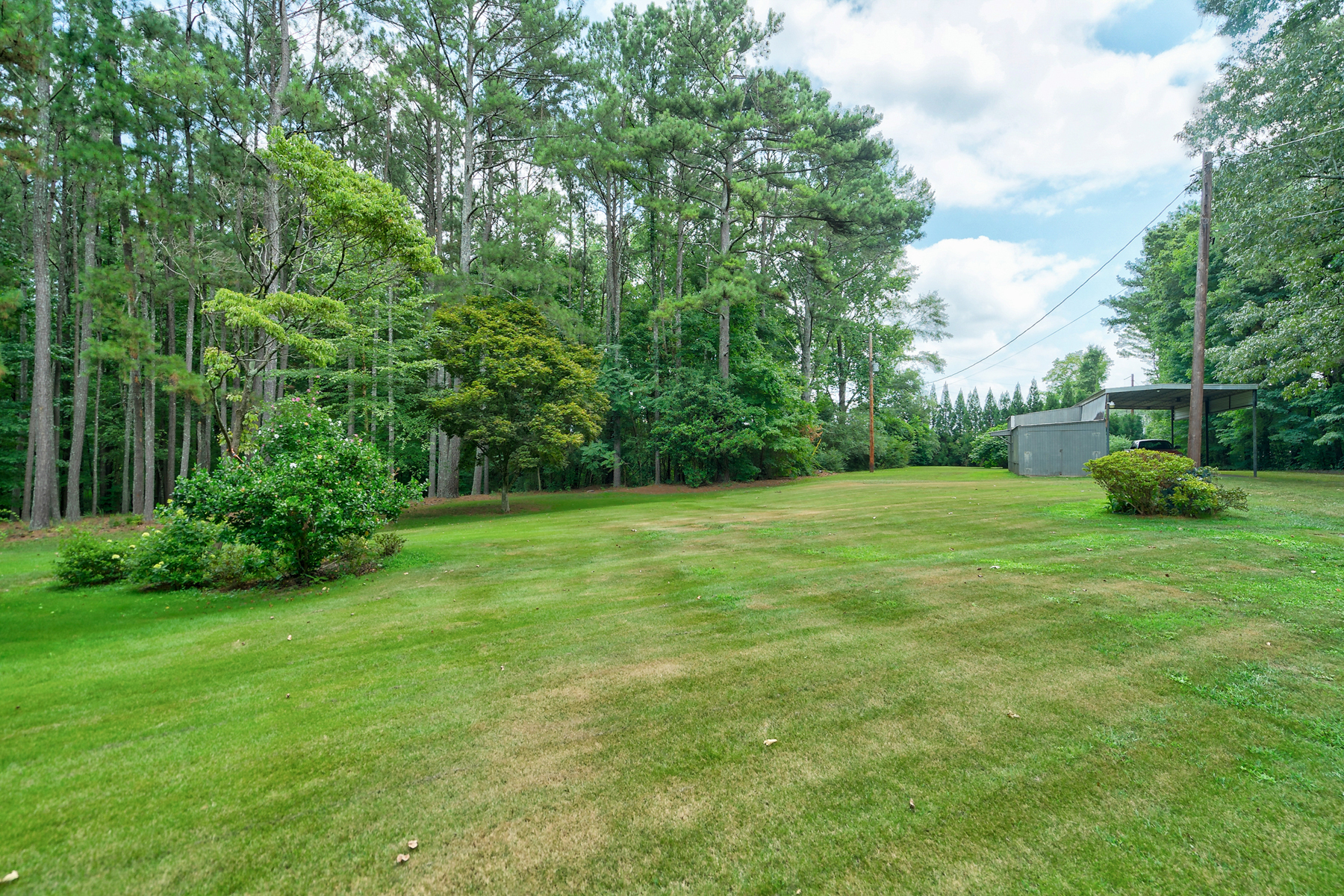 Additional photo for property listing at Custom Built on 5+/- Acres - Available for the First Time 5080 Blunschi Drive, Powder Springs, Georgia 30127 Vereinigte Staaten