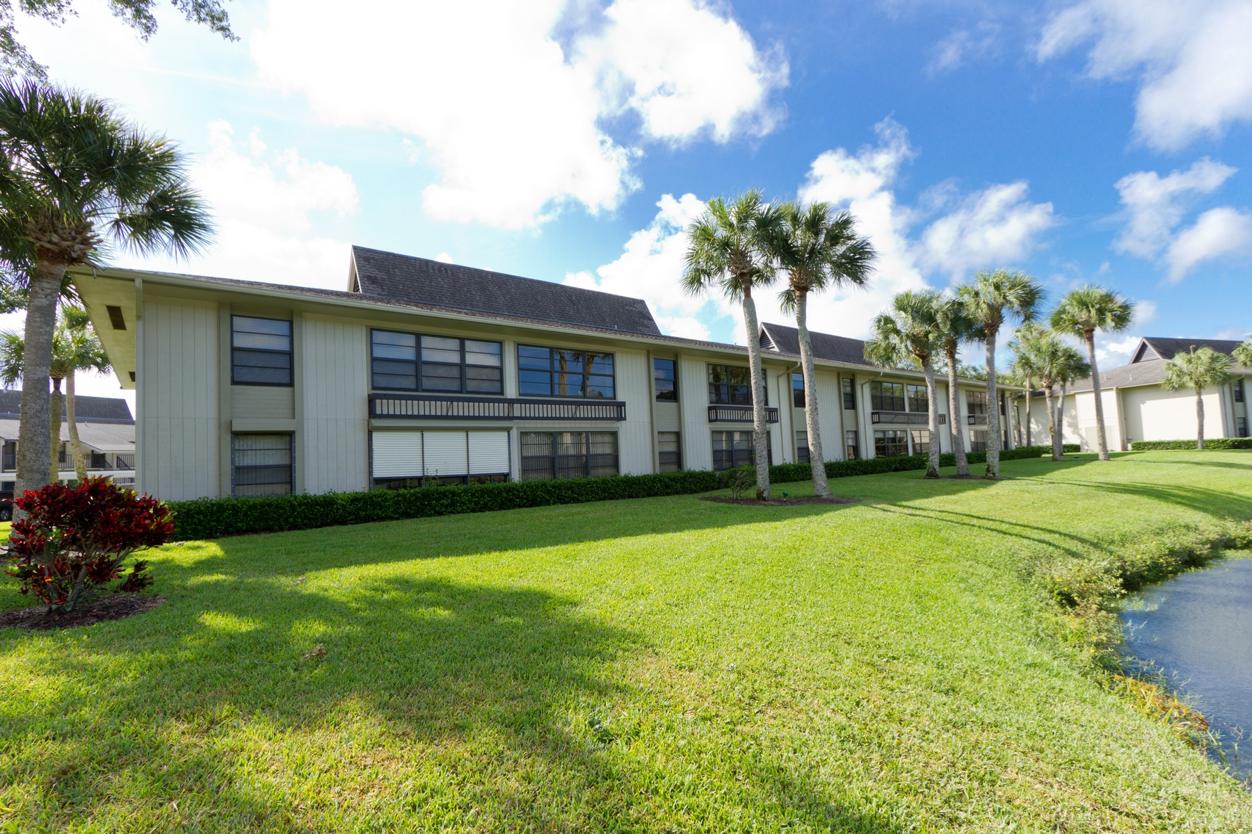 condominiums for Sale at Lake and Golf Course View! 18 Plantation Drive #205 Vero Beach, Florida 32966 United States