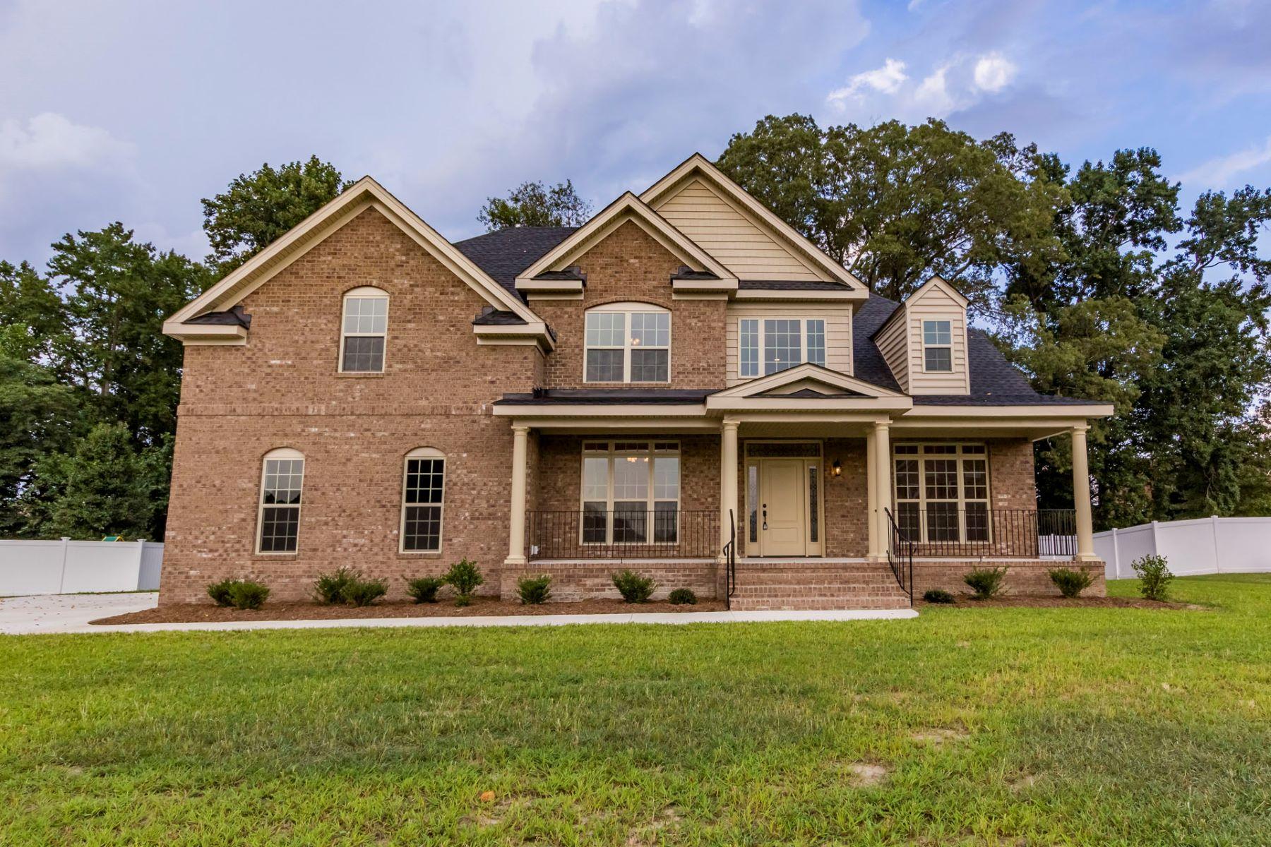 Single Family Homes por un Venta en 4506 Shannon Ln Suffolk, Virginia 23435 Estados Unidos