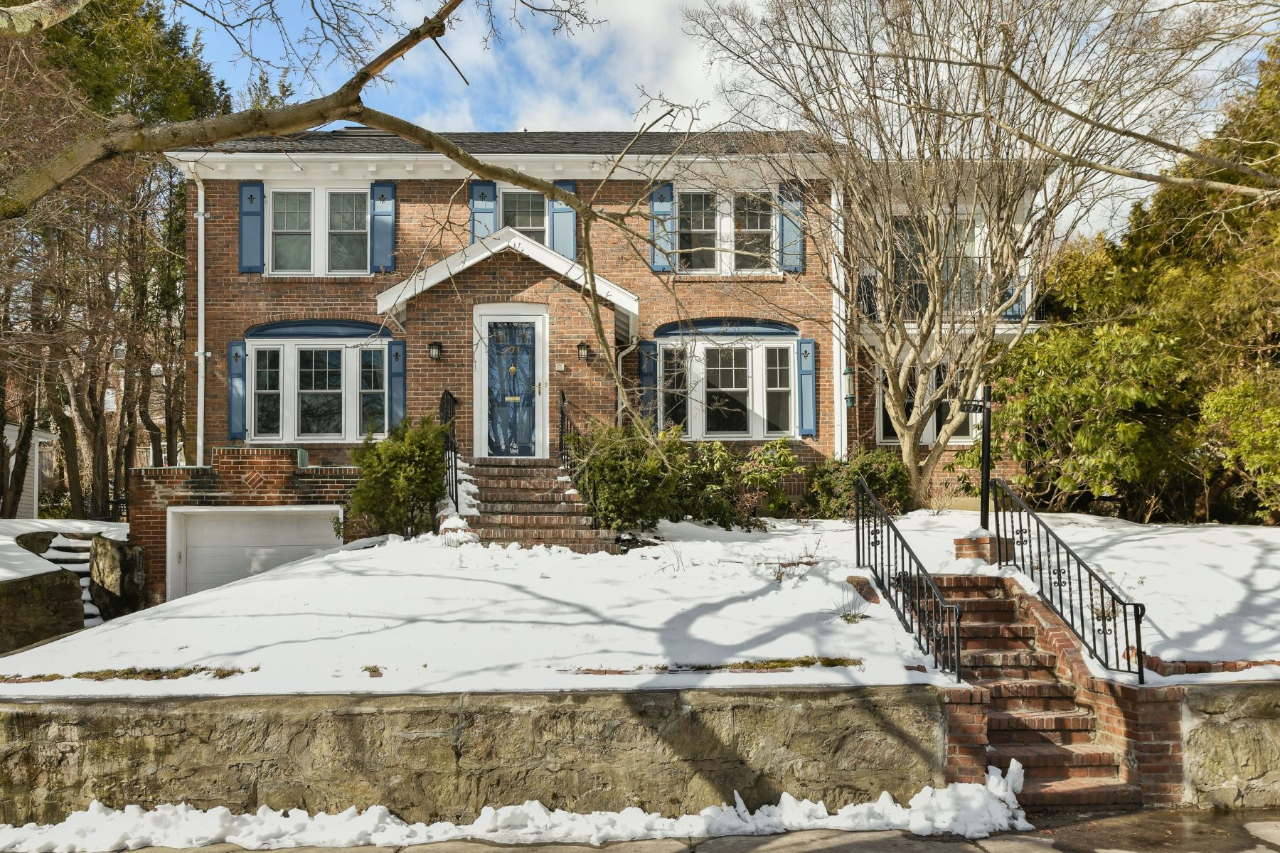 Single Family Home for Active at 171 Gardner Rd Brookline, Massachusetts 02445 United States