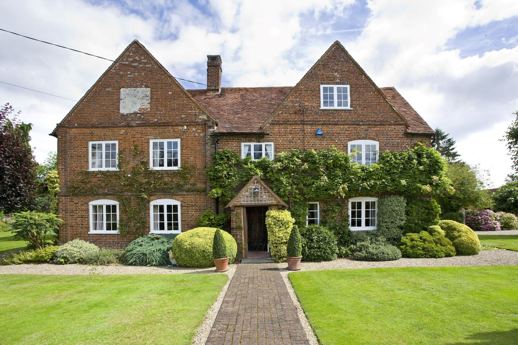 Single Family Home for Sale at Malthouse Farm Woking, England, United Kingdom