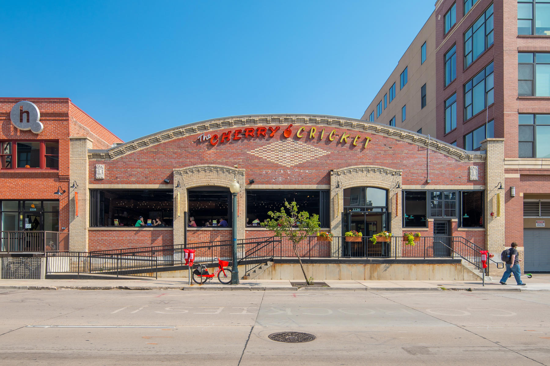 Additional photo for property listing at QUINTESSENTIAL LOFT LIVING IN BALLPARK 2261 Blake St #2C Denver, Colorado 80205 United States