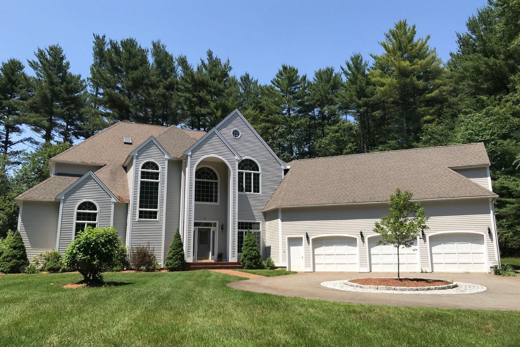 Single Family Homes pour l Vente à 75 Hartwell Road Carlisle, Massachusetts 01741 États-Unis