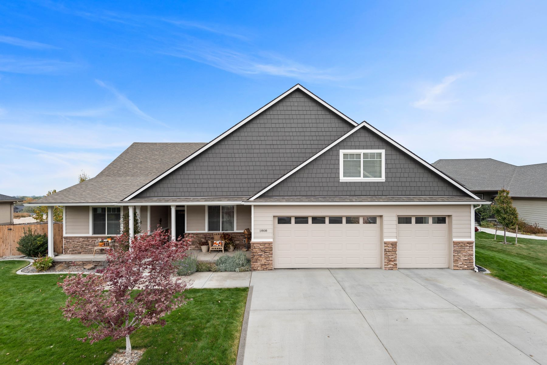 Single Family Homes for Sale at Stunning Views 1808 W 51st Avenue Kennewick, Washington 99337 United States