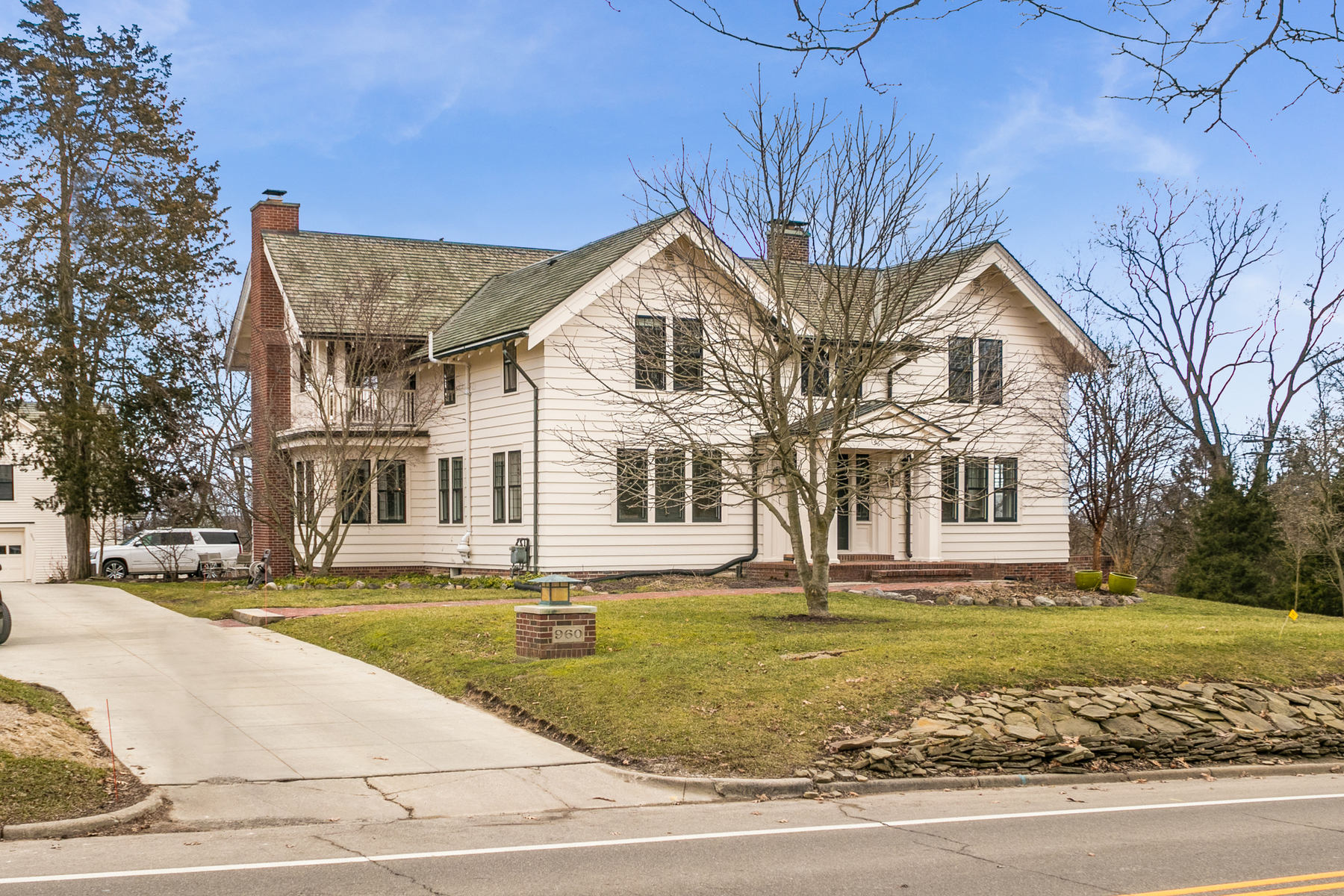 Single Family Homes 为 销售 在 Ann Arbor 960 Newport Road Ann Arbor, 密歇根州 48103 美国