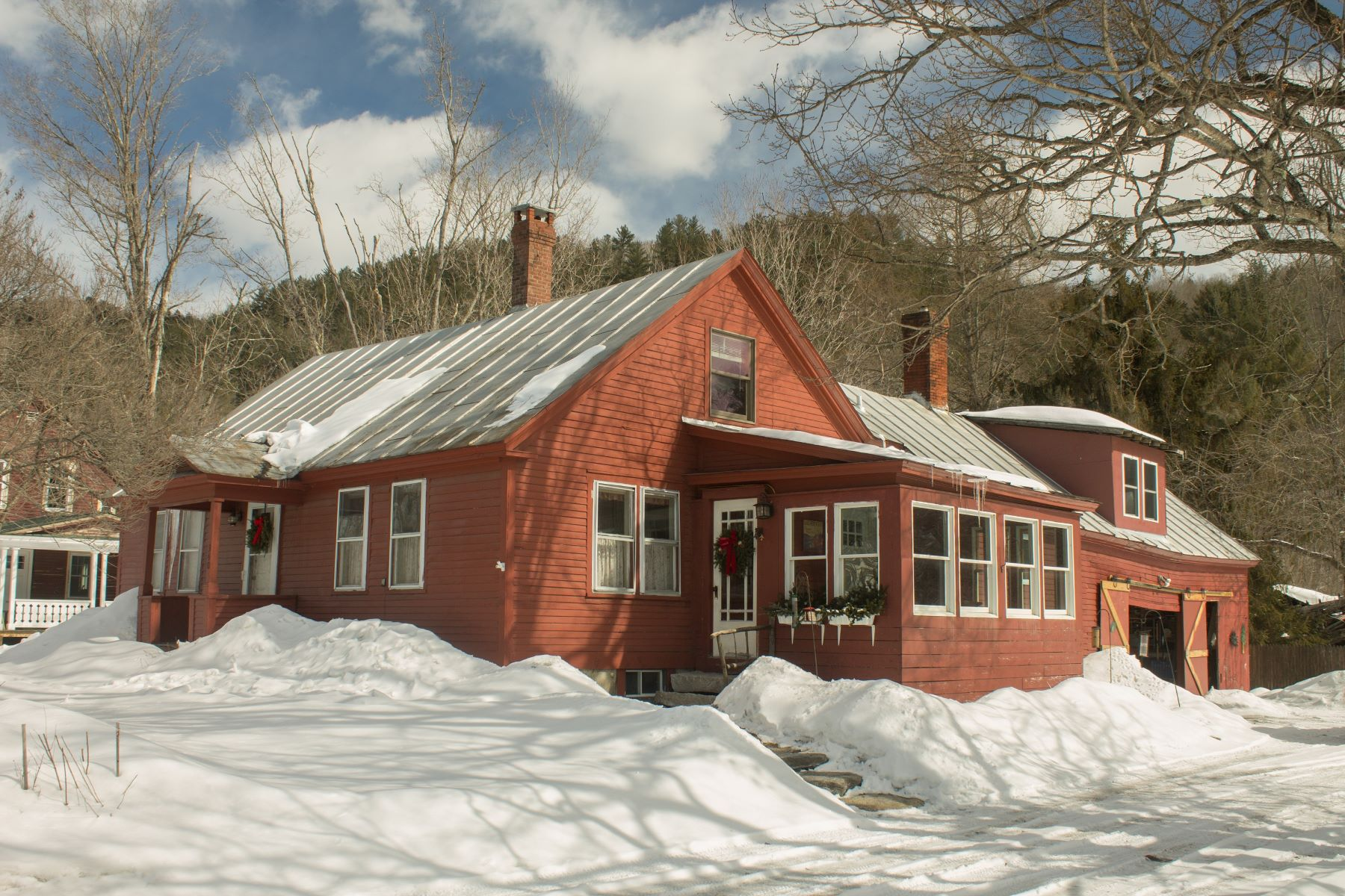 Single Family Home for Sale at Three Bedroom Antique Cape in Chelsea 340 Vt Route 110 Chelsea, Vermont 05038 United States