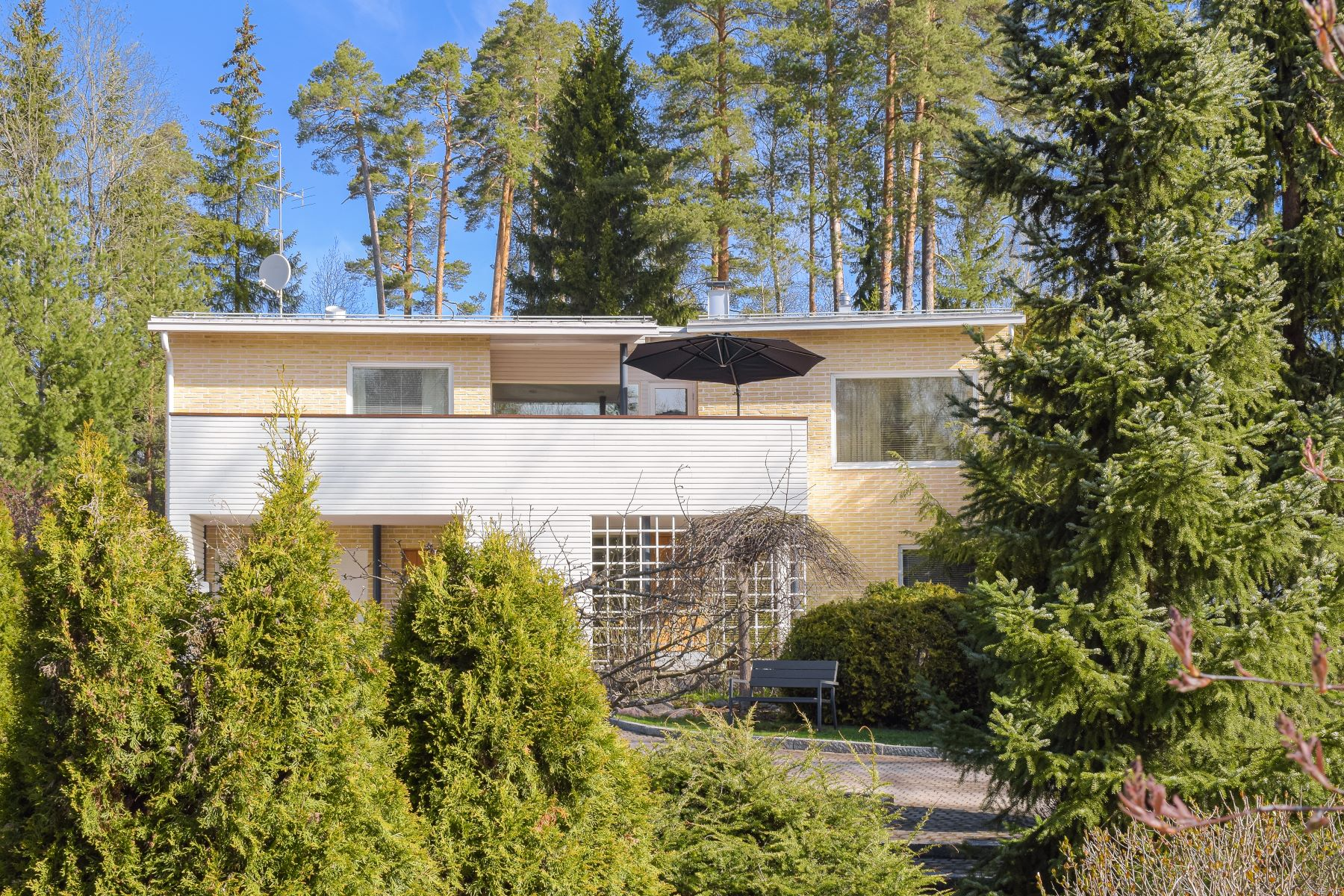 Single Family Homes for Sale at Kavallintie 32 Other Uusimaa, Uusimaa 02700 Finland