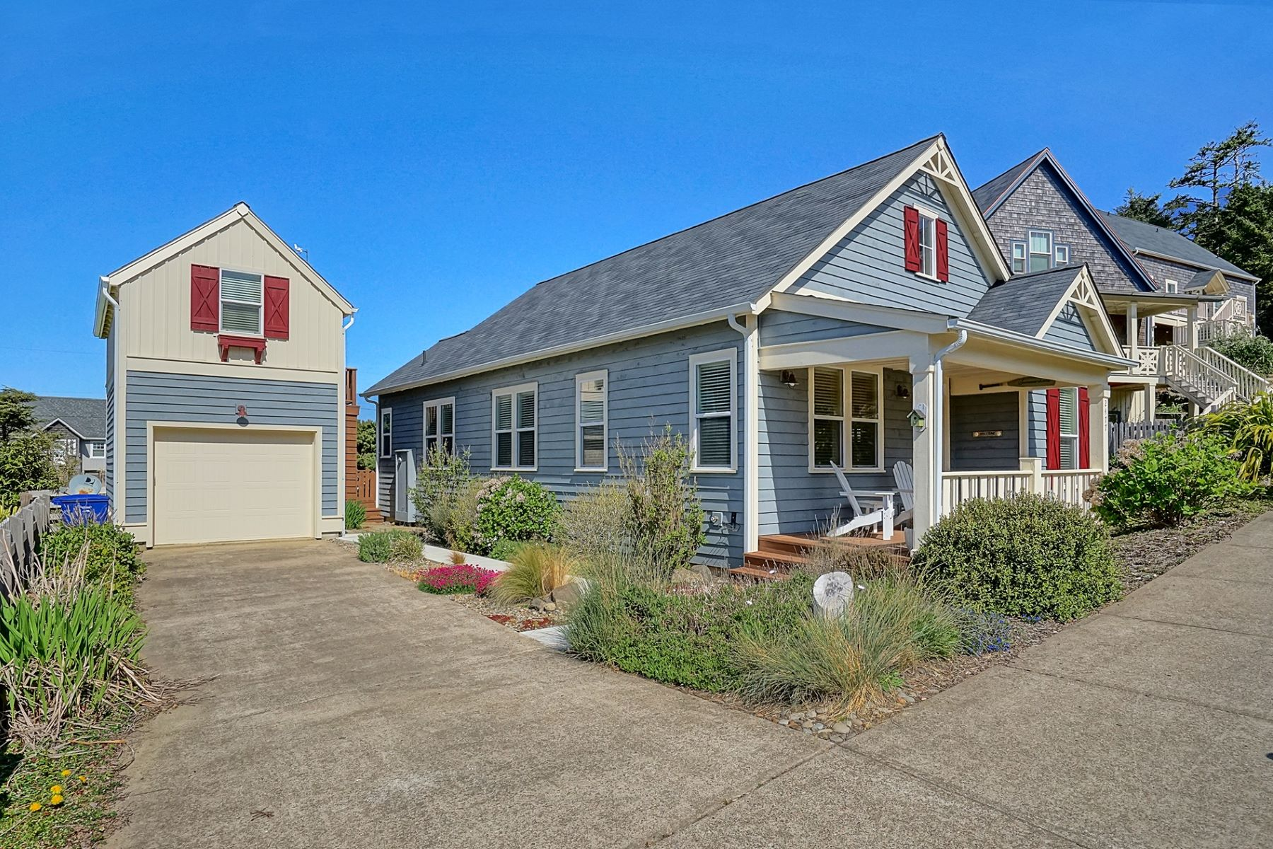 Single Family Homes 為 出售 在 Olivia Beach Cottage House 2477 Anemone Ave, Lincoln City, 俄勒岡州 97367 美國