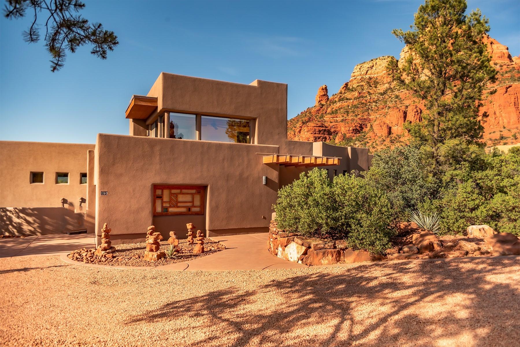 Single Family Homes 为 销售 在 Mystic Hills 180 Chapel Rd 塞多那市, 亚利桑那州 86336 美国
