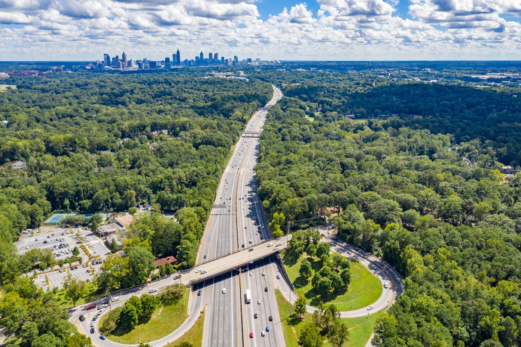 Property por un Venta en 4.9+/- Acre Buckhead Assemblage 1200 Moores Mill Road NW, Atlanta, Georgia 30327 Estados Unidos