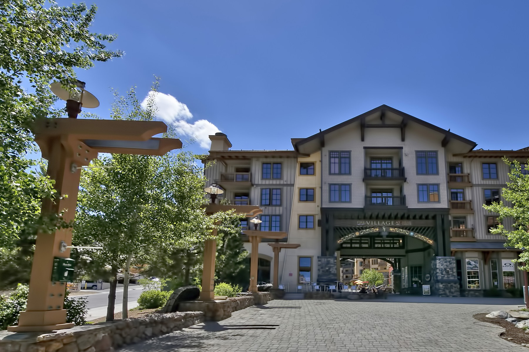 Additional photo for property listing at 1880 Village South Road #3-436, Olympic Valley CA 96146 1880 Village South Road #3-436 Olympic Valley, California 96146 United States