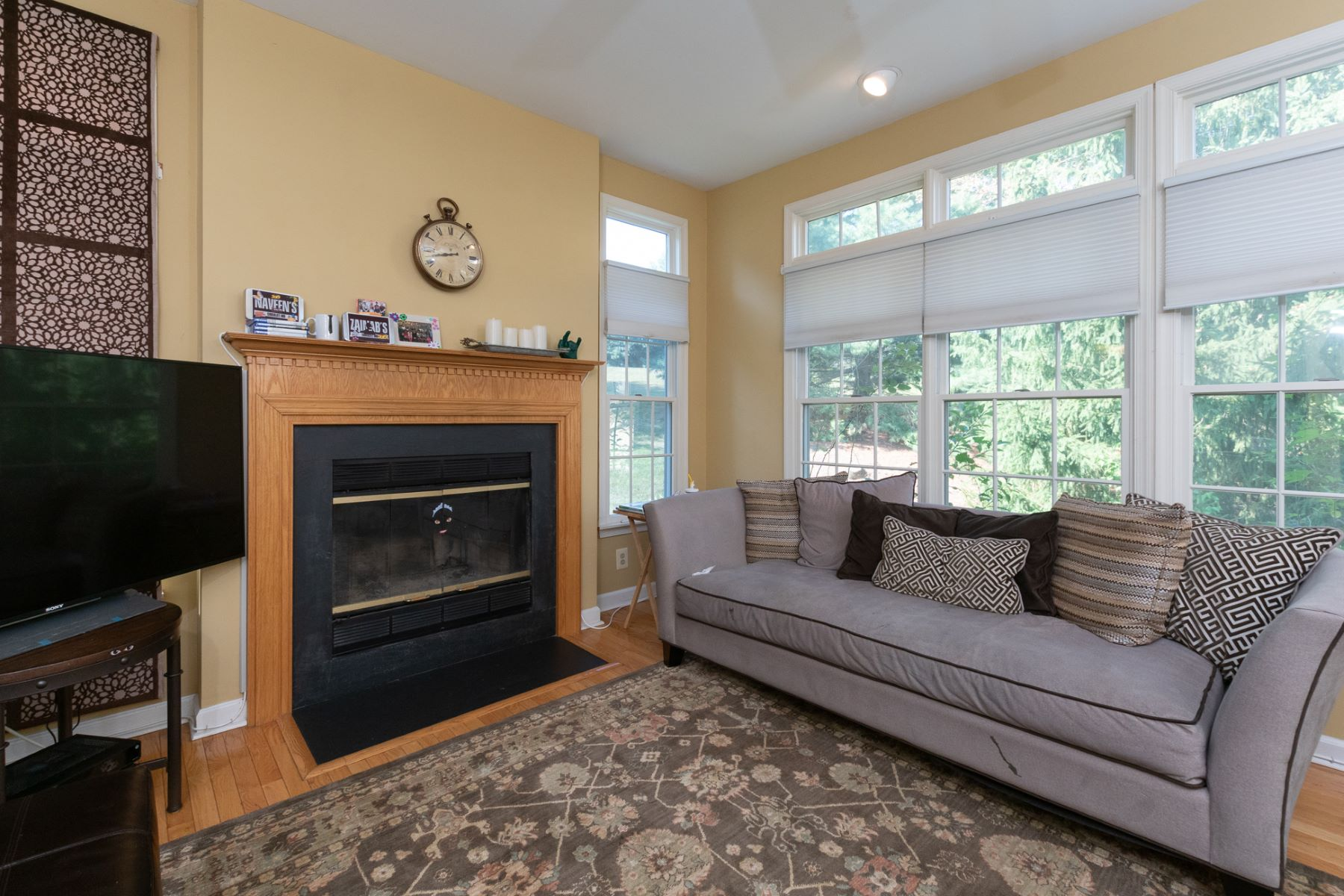 Additional photo for property listing at Spacious Four Bedroom Townhouse in Washington Oaks 47 Wilkinson Way, Princeton, New Jersey 08540 United States