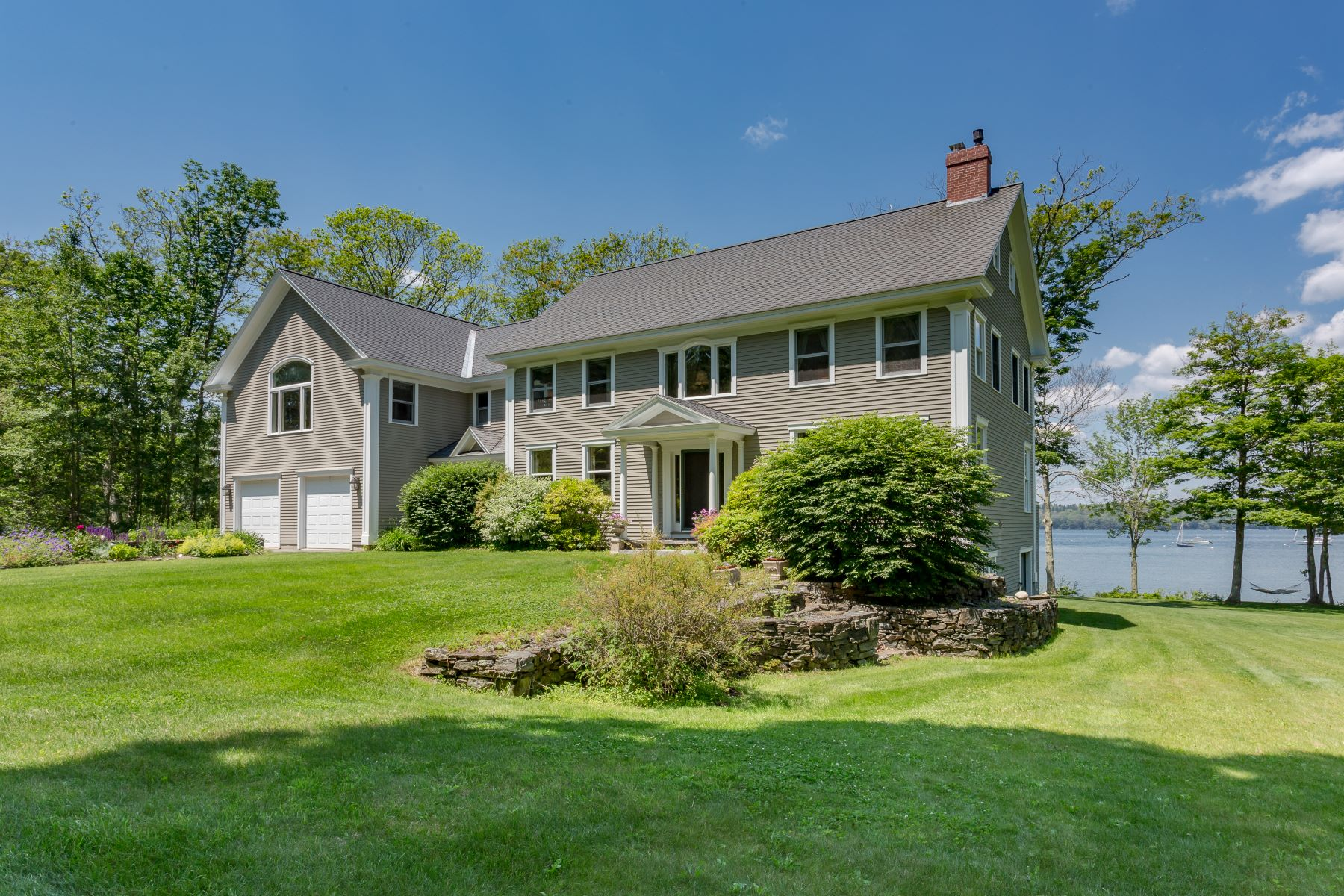 Single Family Homes للـ Sale في 104 Lookout Point Road 104 Lookout Road, Harpswell, Maine 04079 United States