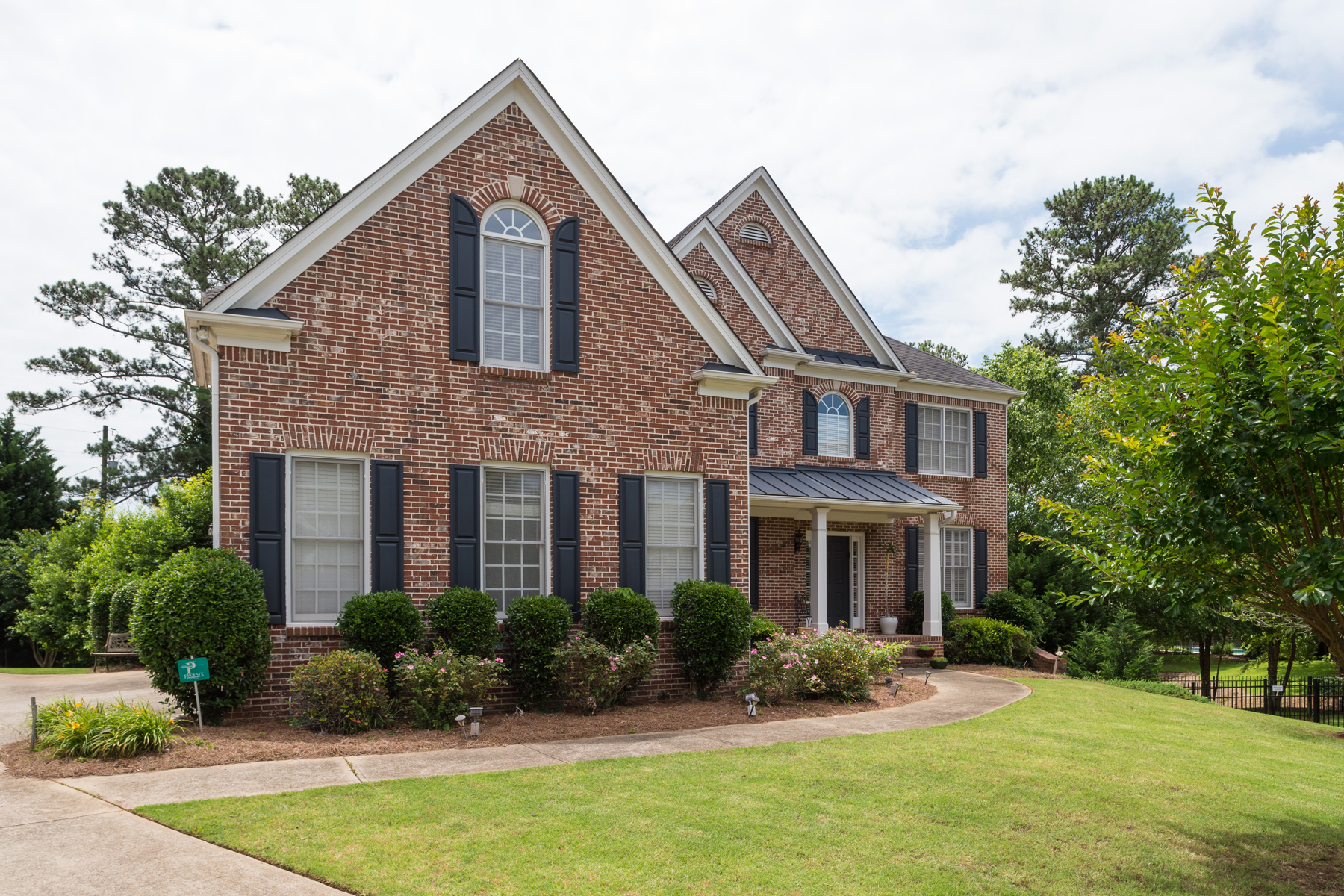 Vivienda unifamiliar por un Venta en Amazing Brick Home in East Cobb Finest School District! 918 Saints Court Marietta, Georgia, 30068 Estados Unidos