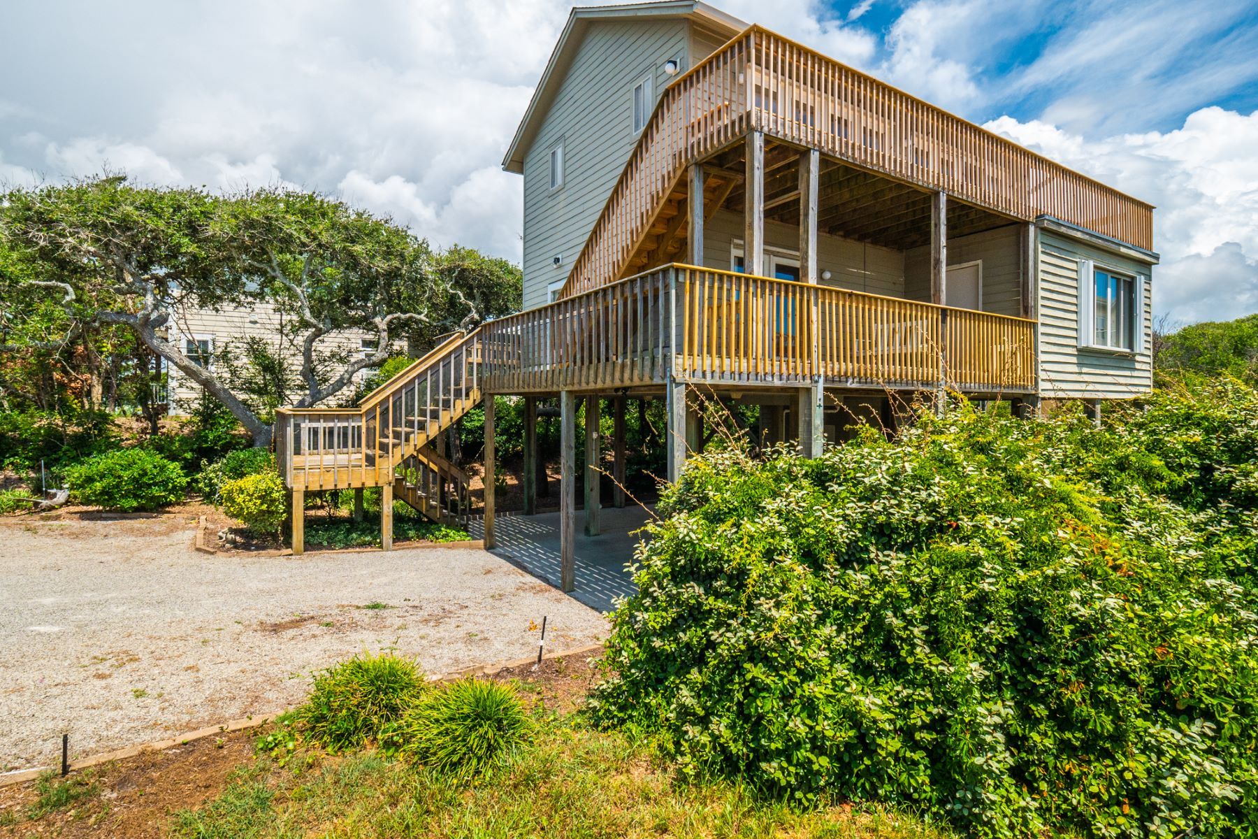 Single Family Homes for Active at Beautiful Island Home 106 Sound Drive Surf City, North Carolina 28445 United States
