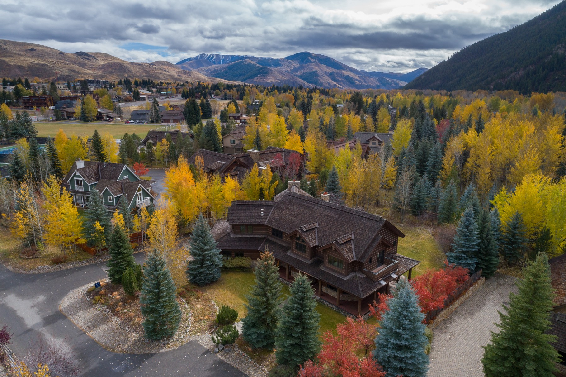 Casa Unifamiliar por un Venta en In Town Privacy 110 Bear Lane, Ketchum, Idaho, 83340 Estados Unidos