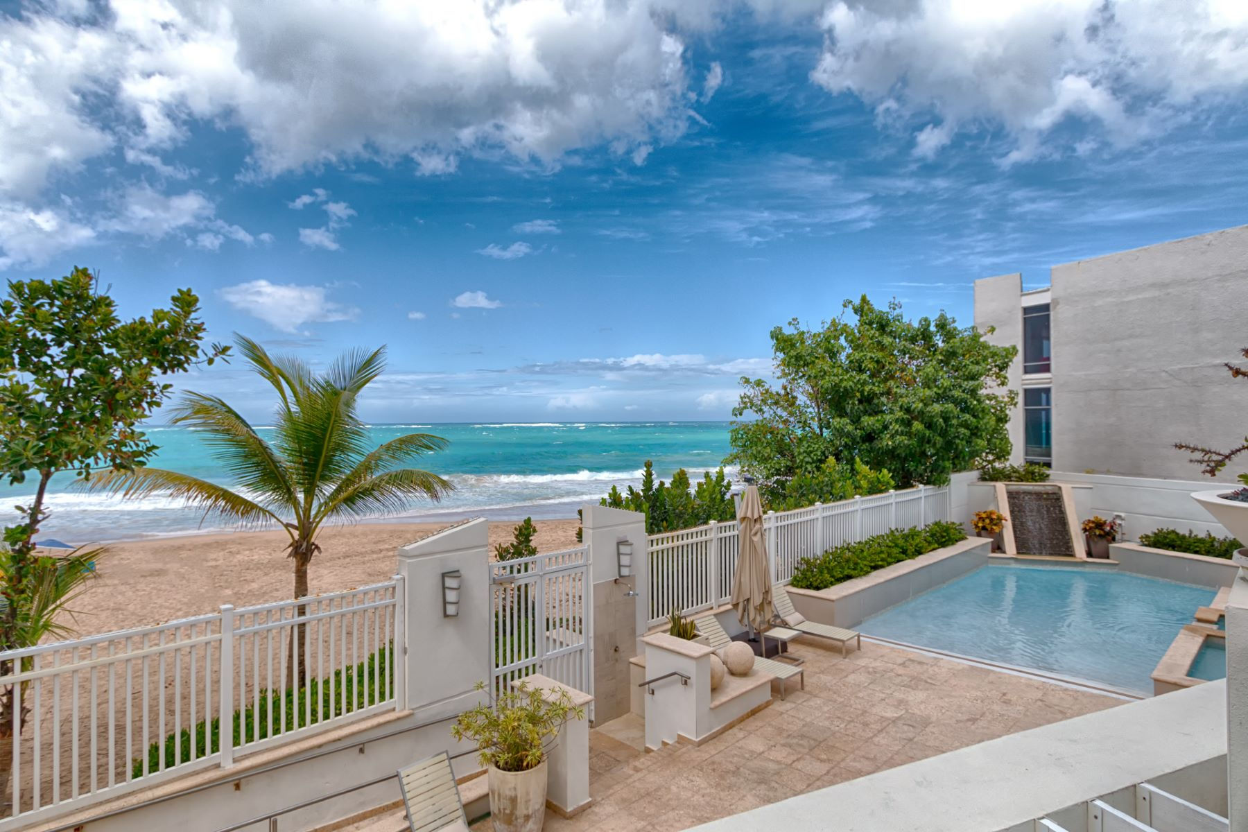 Additional photo for property listing at Ocean Front at Aquamarina 1315 Ashford Avenue San Juan, Puerto Rico 00907 Puerto Rico