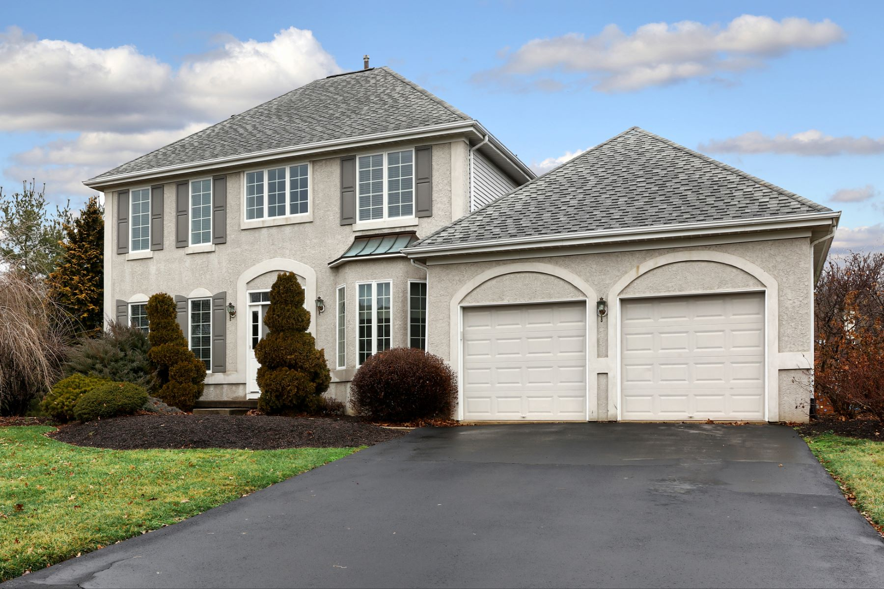 Single Family Home for Sale at Lovely Colonial in Woodside 10 Milburne Lane Robbinsville, New Jersey 08691 United StatesIn/Around: Robbinsville Township