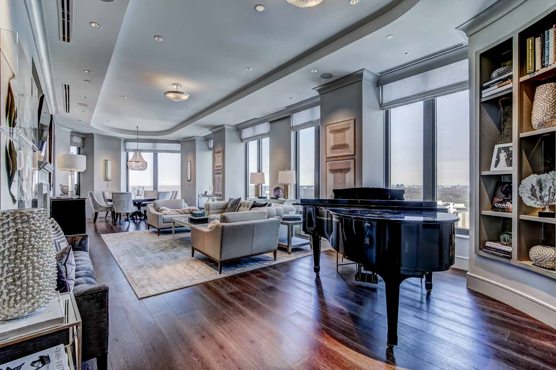 Piso por un Venta en Elegant And Sophisticated Mandarin Oriental 3376 Peachtree Road NE No. 43A Atlanta, Georgia, 30326 Estados Unidos