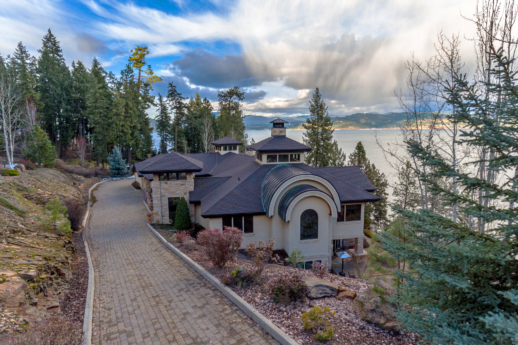 Single Family Homes for Sale at Jewel on the Lake 4200 S Threemile Point Rd Coeur D Alene, Idaho 83814 United States