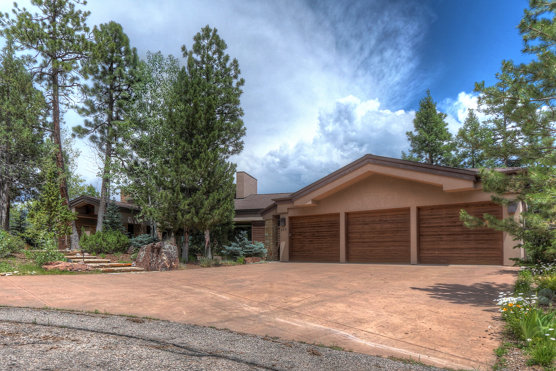 Single Family Homes para Venda às Estates at Pine Ridge 257 Goulding Creek Drive, Durango, Colorado 81301 Estados Unidos