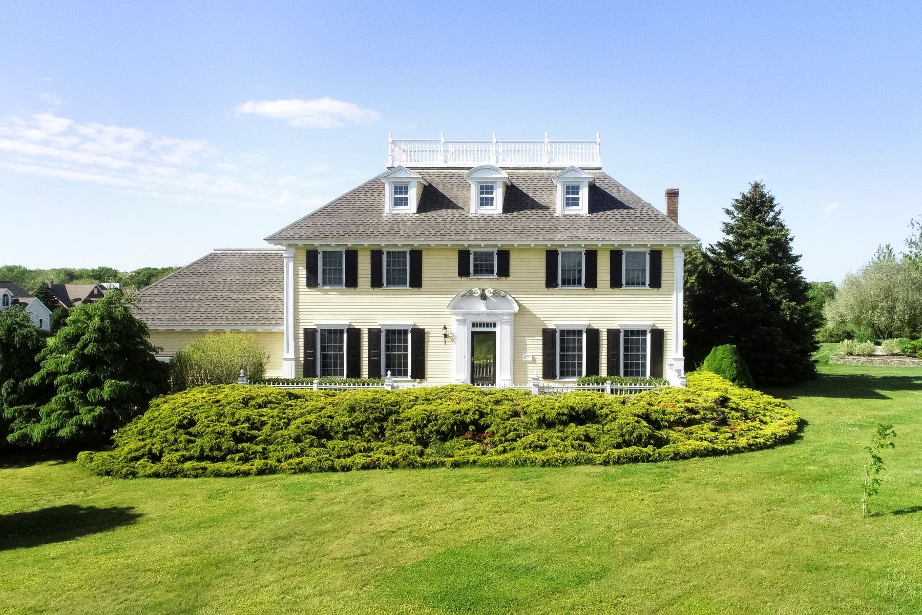 Single Family Homes for Sale at Stately Colonial 171 Cottontail Drive Portsmouth, Rhode Island 02871 United States