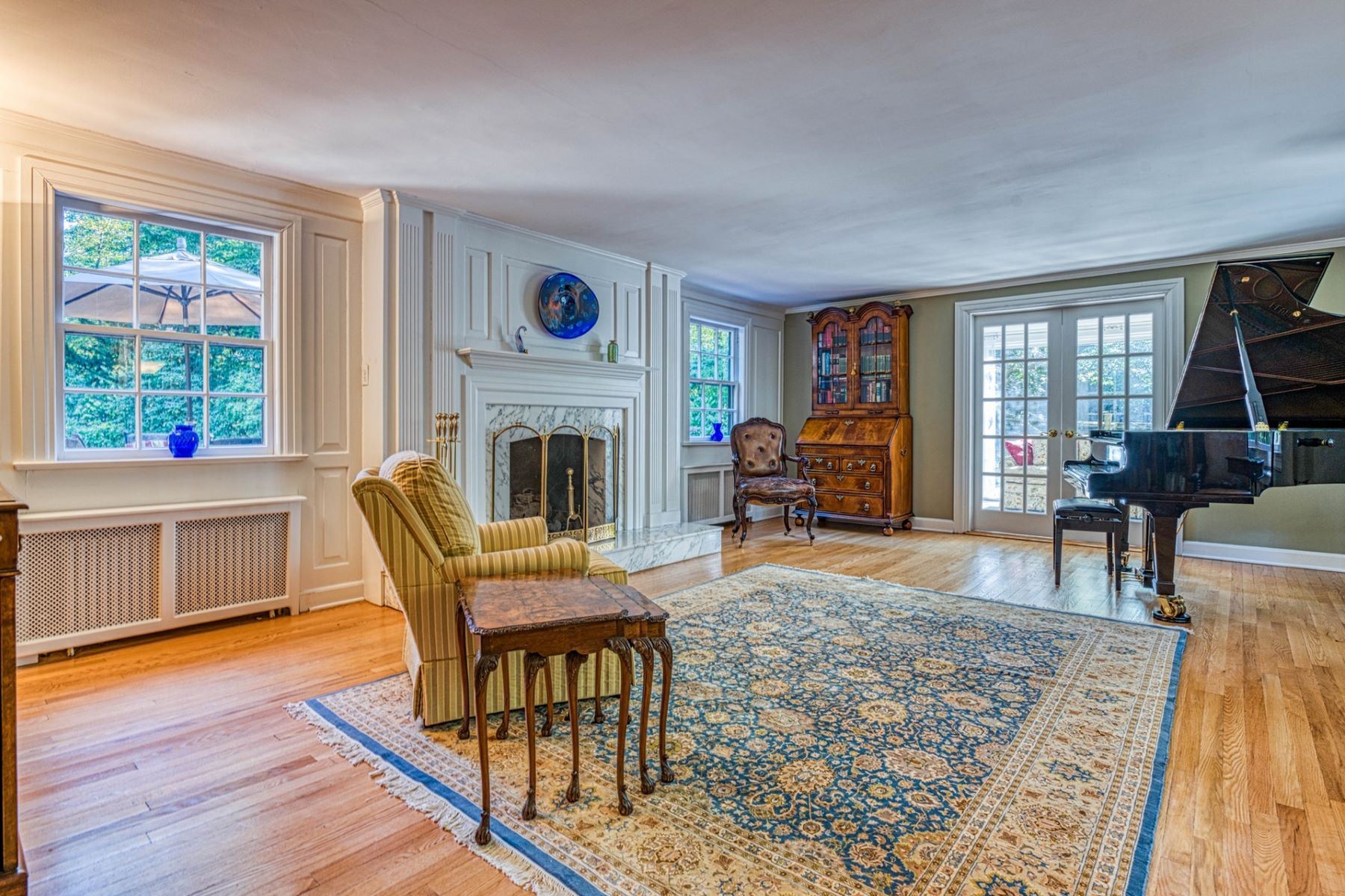 Single Family Homes for Sale at Elegant Colonial 160 Wearimus Rd Ho Ho Kus, New Jersey 07423 United States