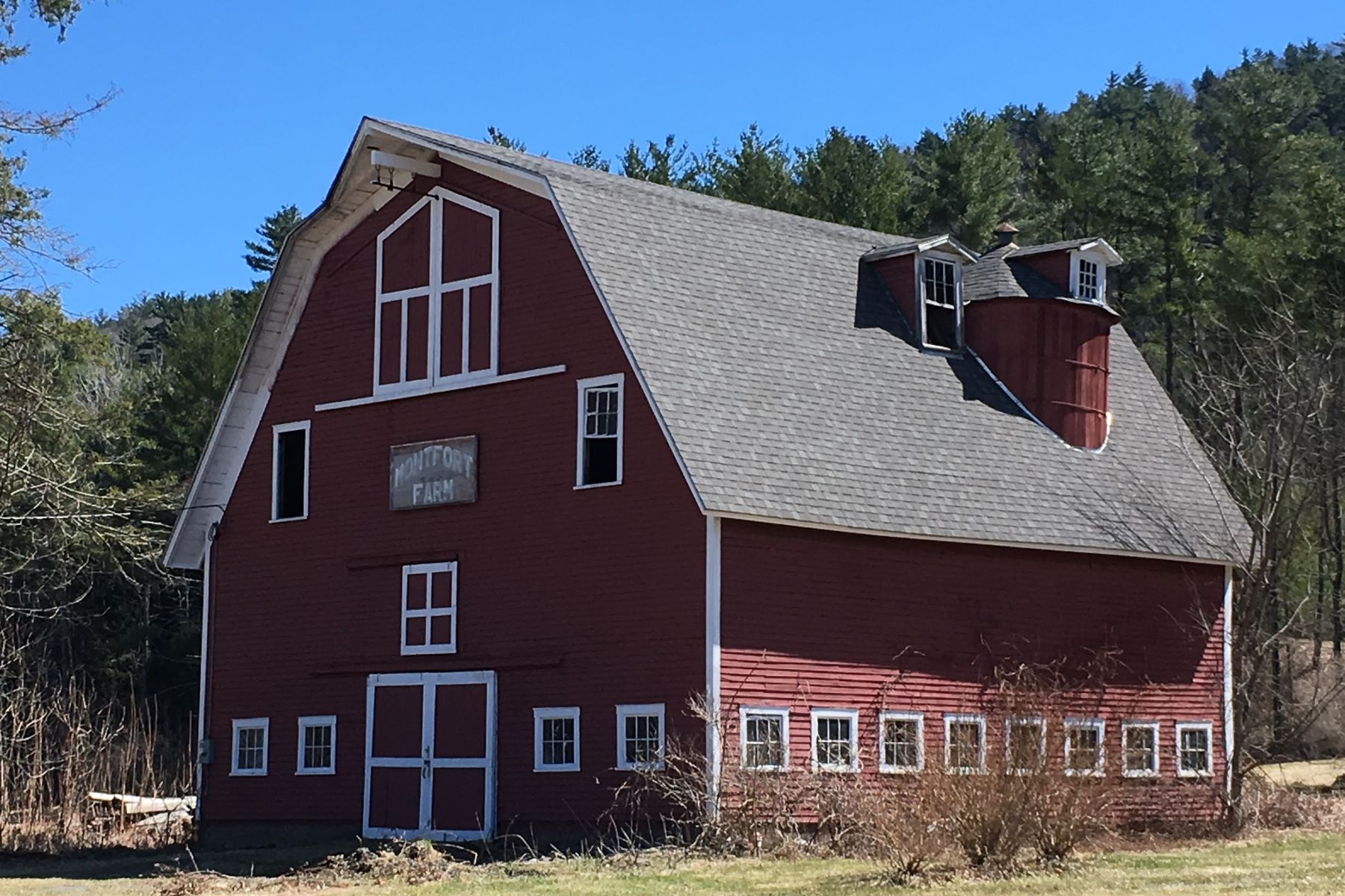 Land for Sale at Acre with Barn in Orford 00A Nh Route 10 #1 Orford, New Hampshire 03777 United States