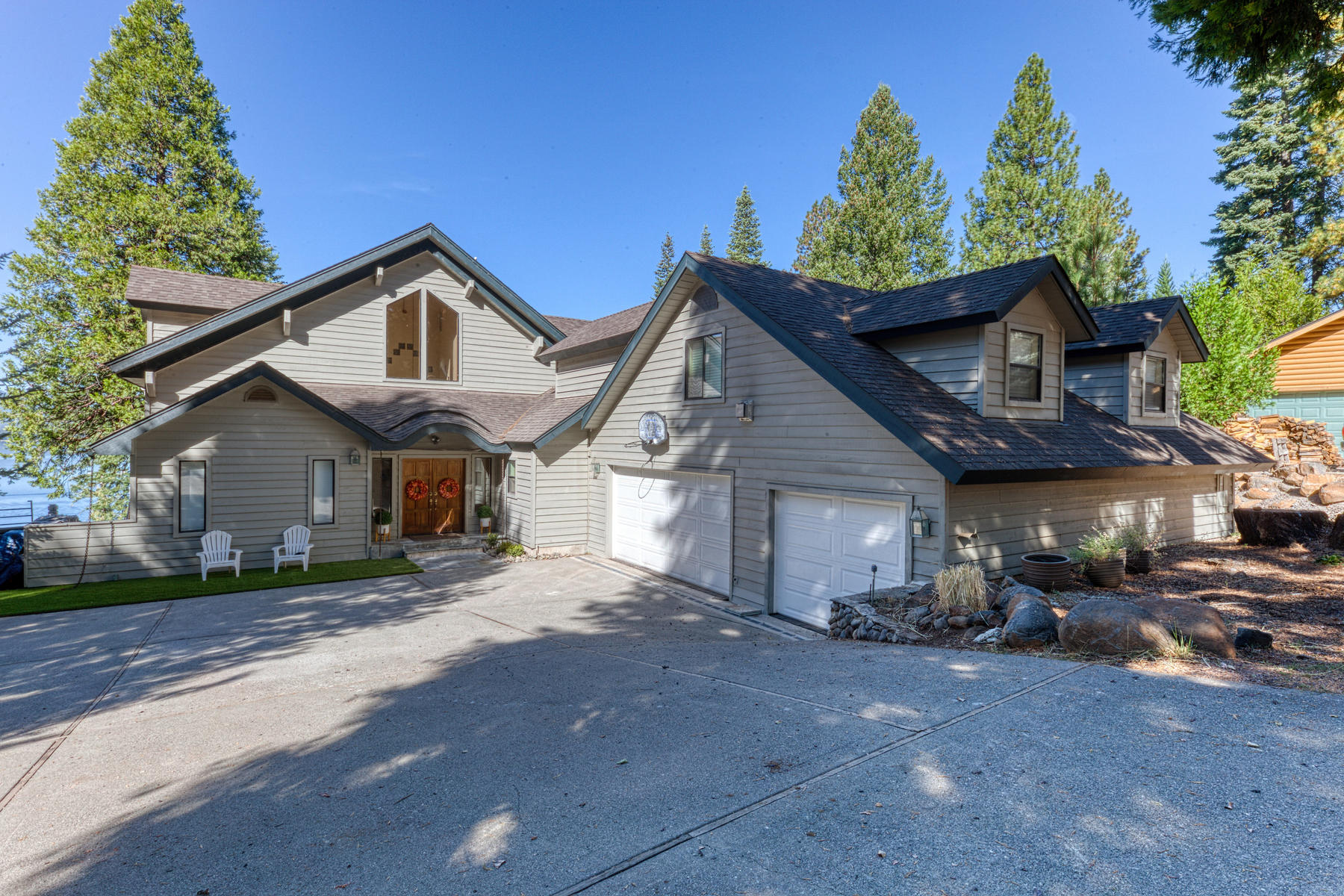 Single Family Homes for Sale at 837 Lassen View Dr, Lake Almannor, CA 96137 837 Lassen View Dr. Lake Almanor, California 96137 United States