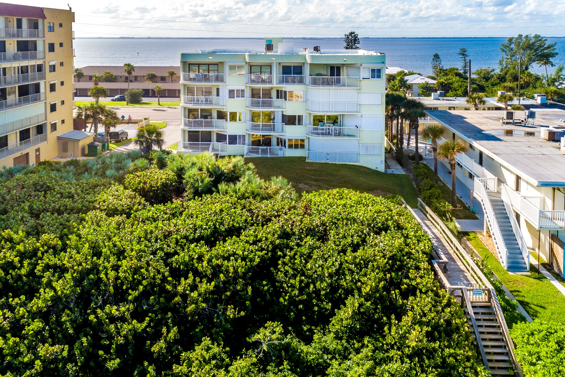 Additional photo for property listing at Casa Playa Condo 3031 South Atlantic Avenue #303 Cocoa Beach, Florida 32931 United States