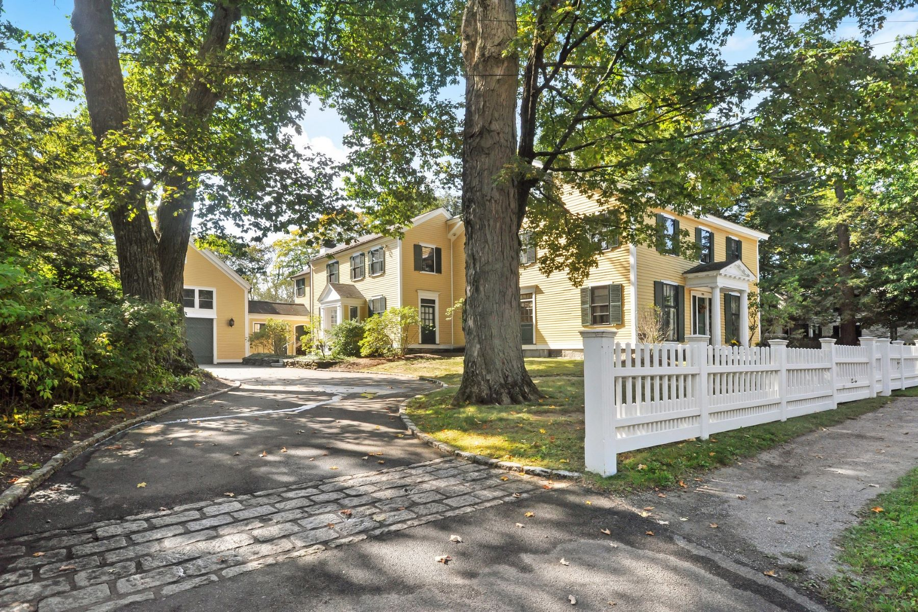 Single Family Home for Active at 255 Main Street, Concord 255 Main St Concord, Massachusetts 01742 United States
